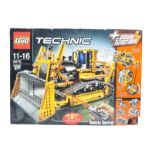 LEGO SET - LEGO TECHNIC - 8275 - MOTORIZED BULLDOZER