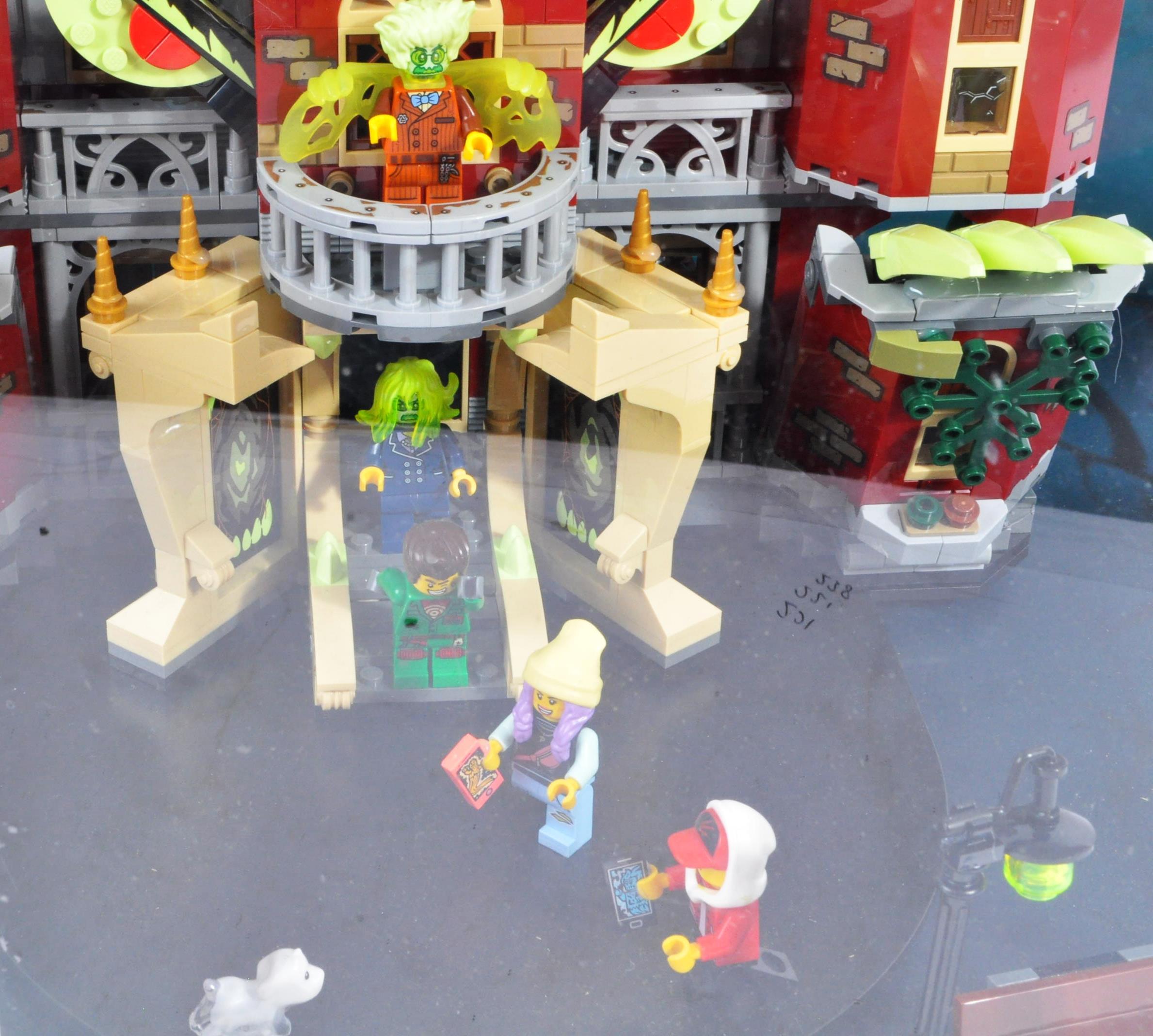LEGO - HIDDEN SIDE - ORIGINAL IN STORE SHOP DISPLAY CABINET - Image 3 of 8