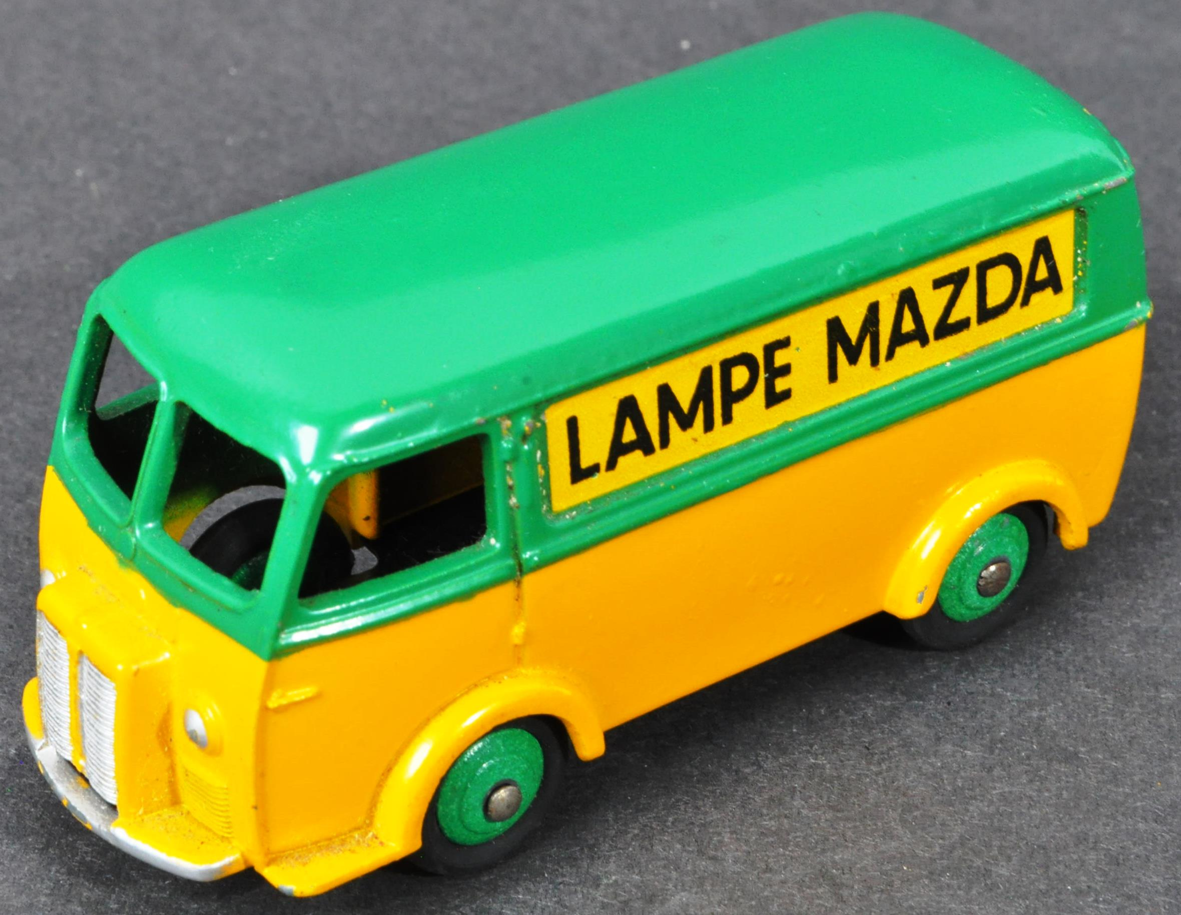 FRENCH DINKY TOYS - ORIGINAL BOXED VINTAGE DIECAST MODEL - Image 2 of 4