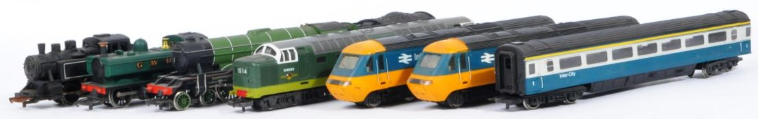 COLLECTION OF X7 ASSORTED 00 GAUGE MODEL RAILWAY LOCOMOTIVES
