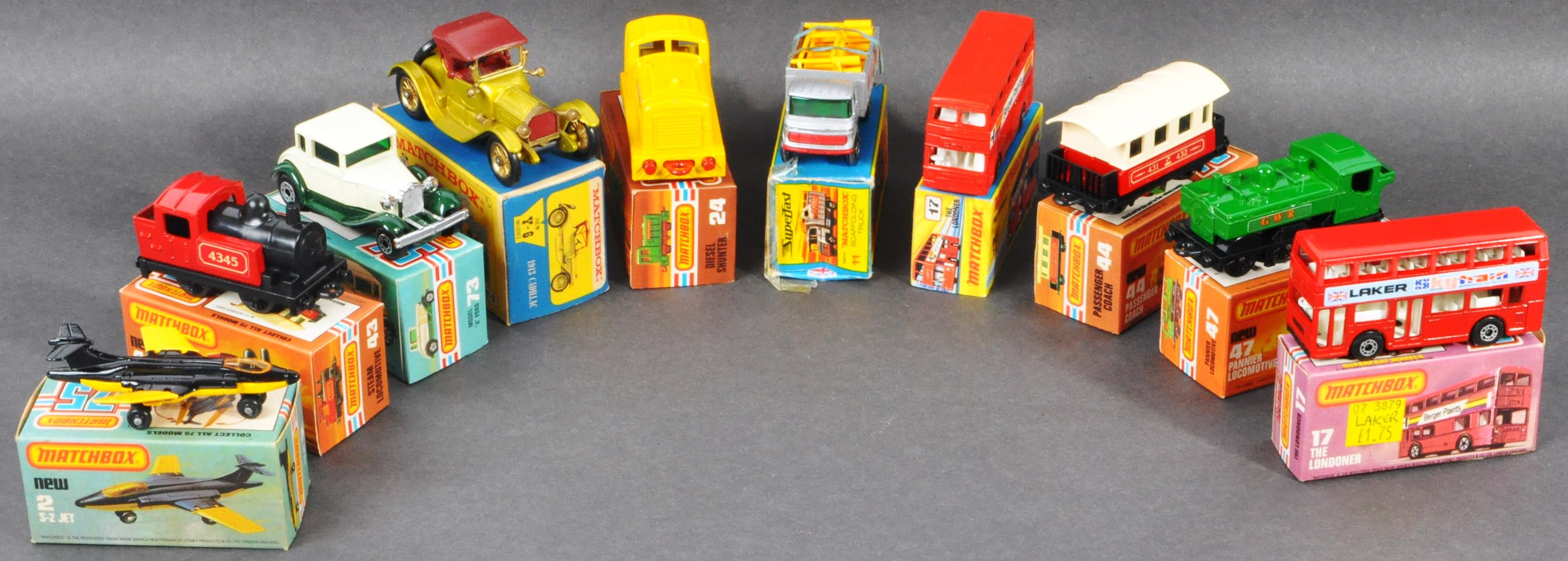 COLLECTION OF X10 ASSORTED MATCHBOX DIECAST MODELS