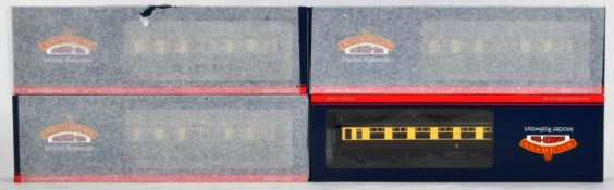BACHMANN BRANCH LINE 00 GAUGE UNUSED TRADE BOX OF COACHES