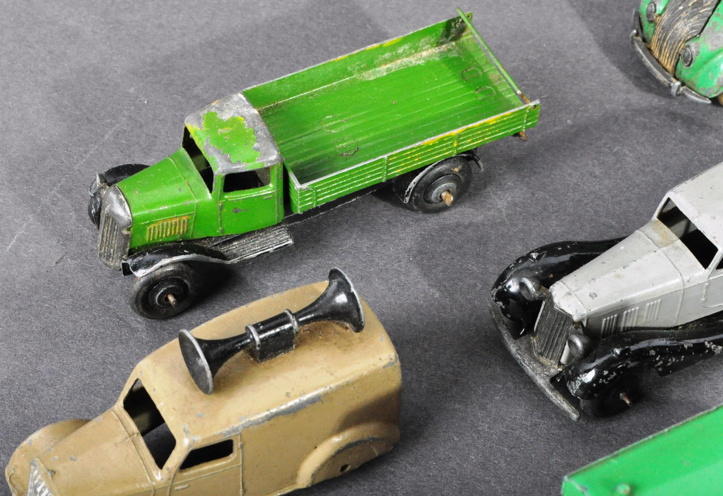 COLLECTION OF ORIGINAL VINTAGE DINKY TOYS DIECAST MODELS - Image 2 of 6