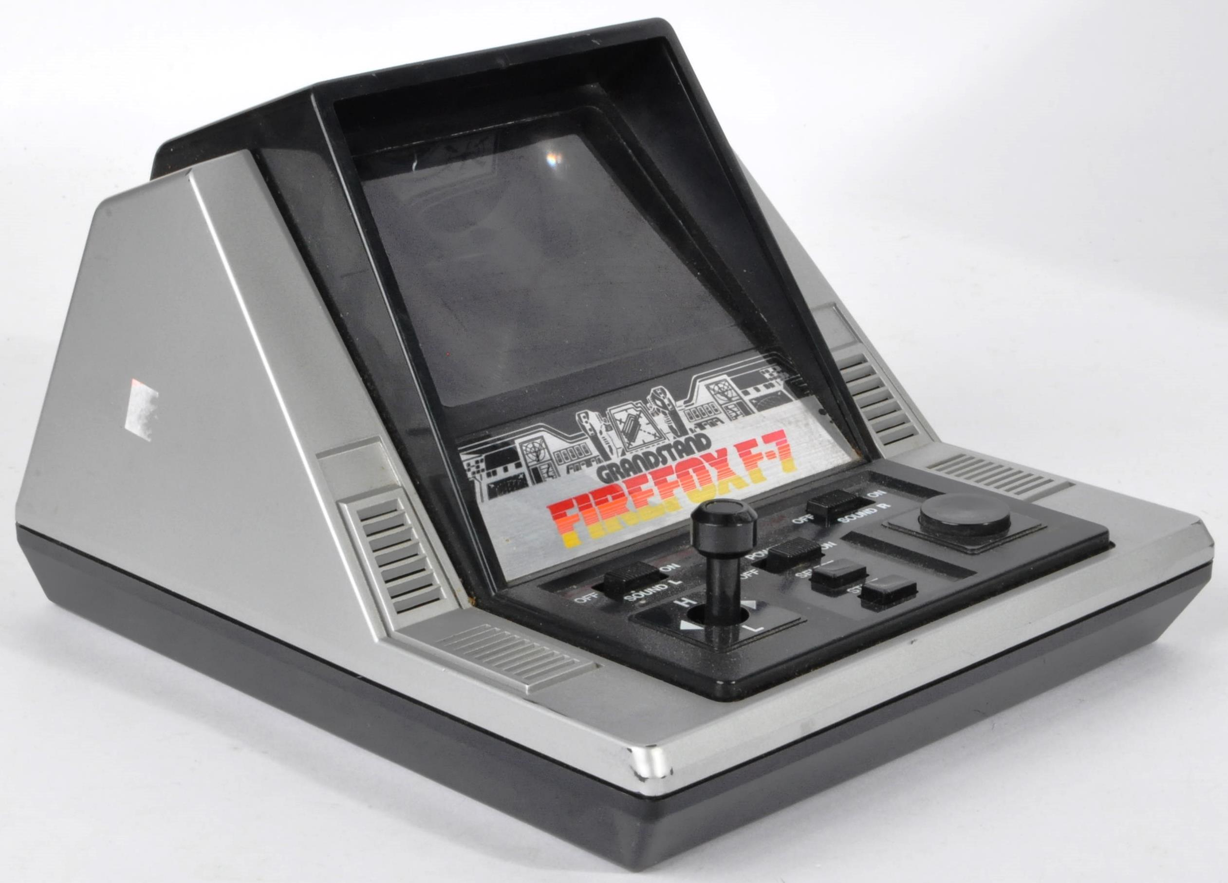 COLLECTION OF ASSORTED VINTAGE ELECTRONIC TOYS AND GAMES - Image 2 of 7