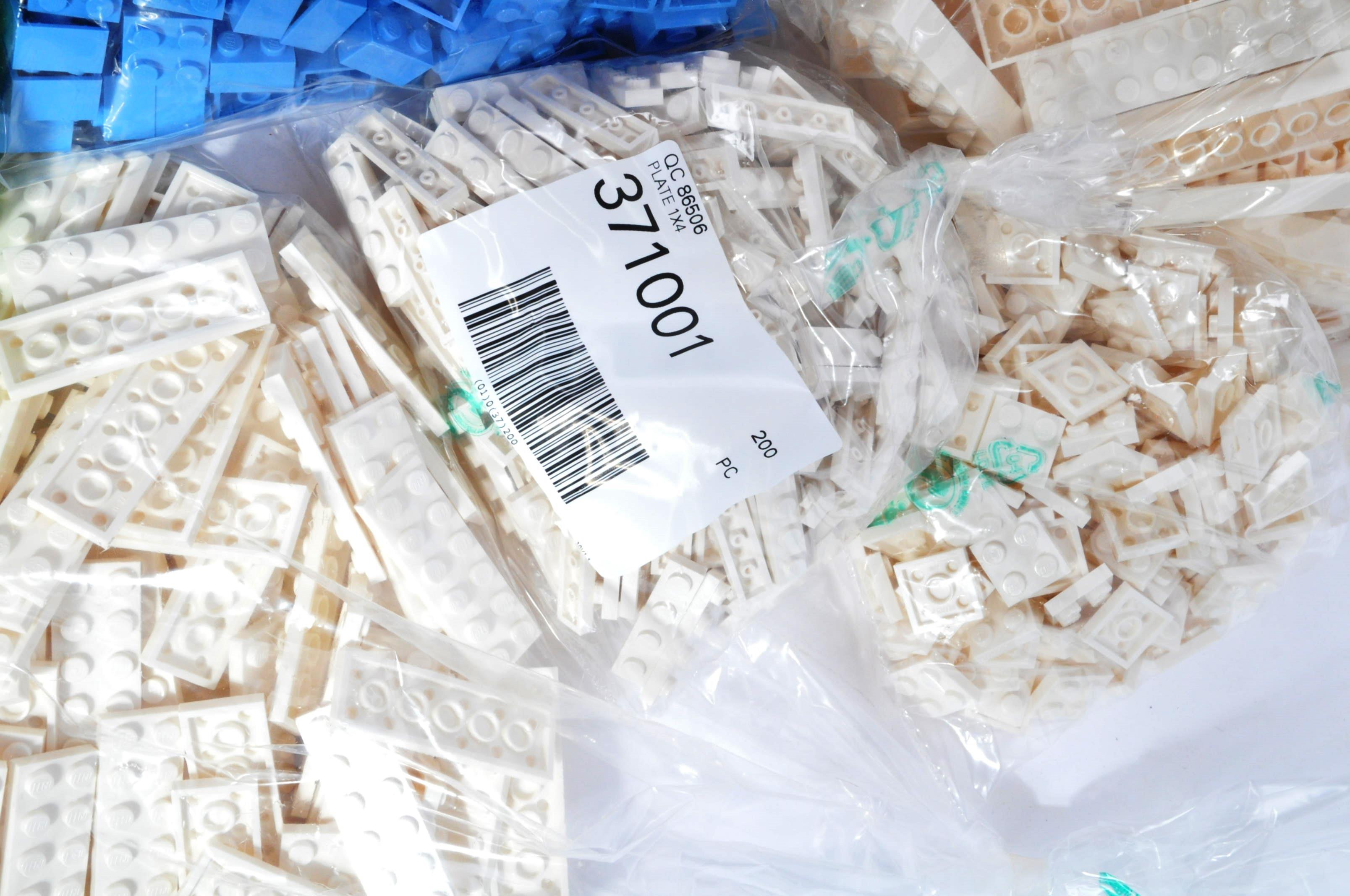 LEGO - 10KG OF BRAND NEW UNUSED LEGO BUILDING BRICKS - Image 6 of 7