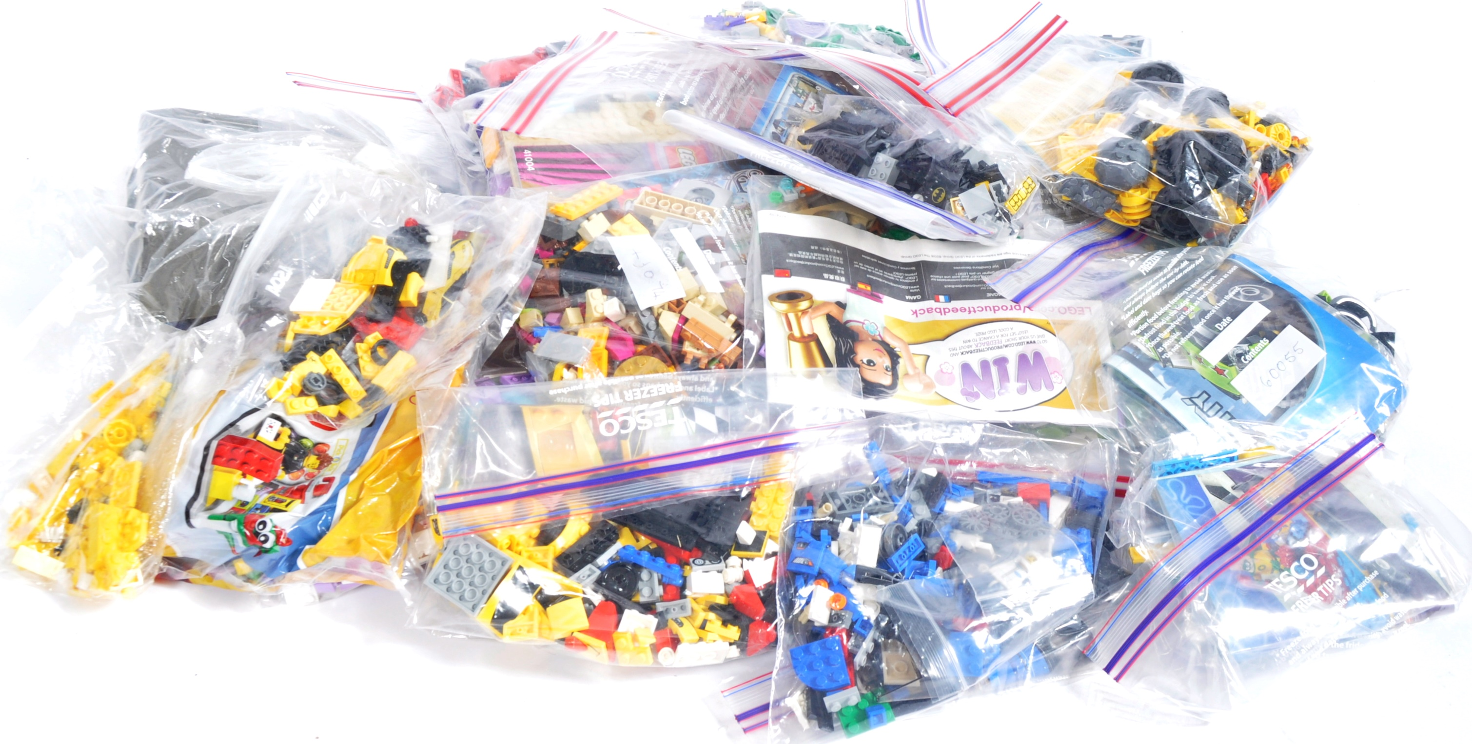 LARGE COLLECTION OF ASSORTED UNBOXED LEGO SETS - Image 2 of 5