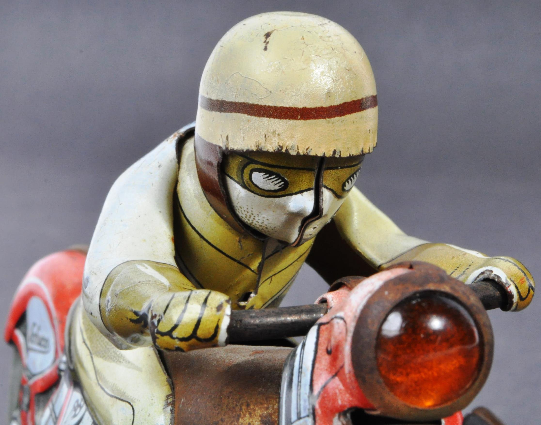 ORIGINAL VINTAGE SCHUCO TINPLATE RACING MOTORCYCLE - Image 6 of 8