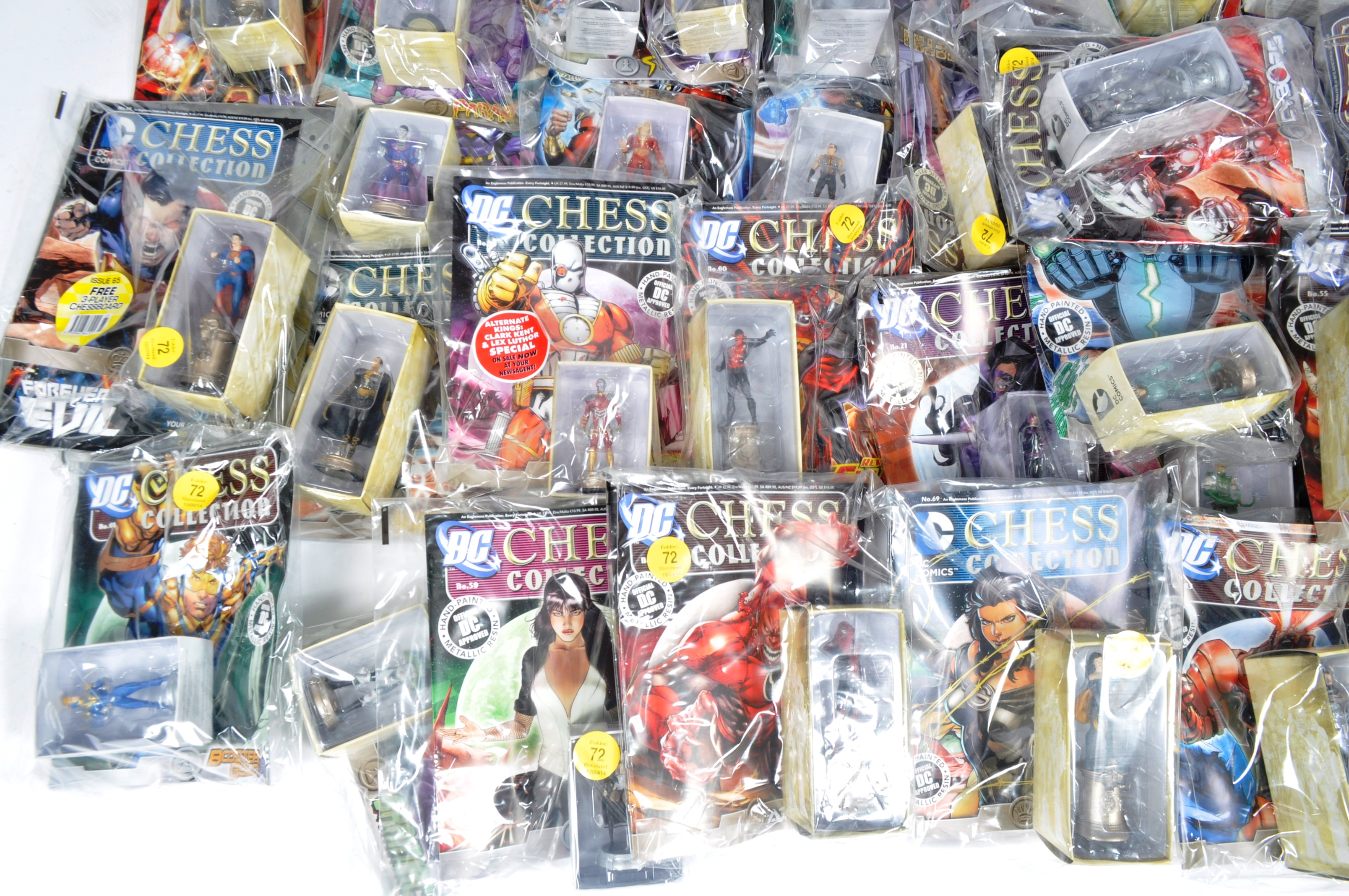 LARGE COLLECTION OF ASSORTED DC COMICS COLLECTIBLE CHESS PIECES - Image 2 of 6