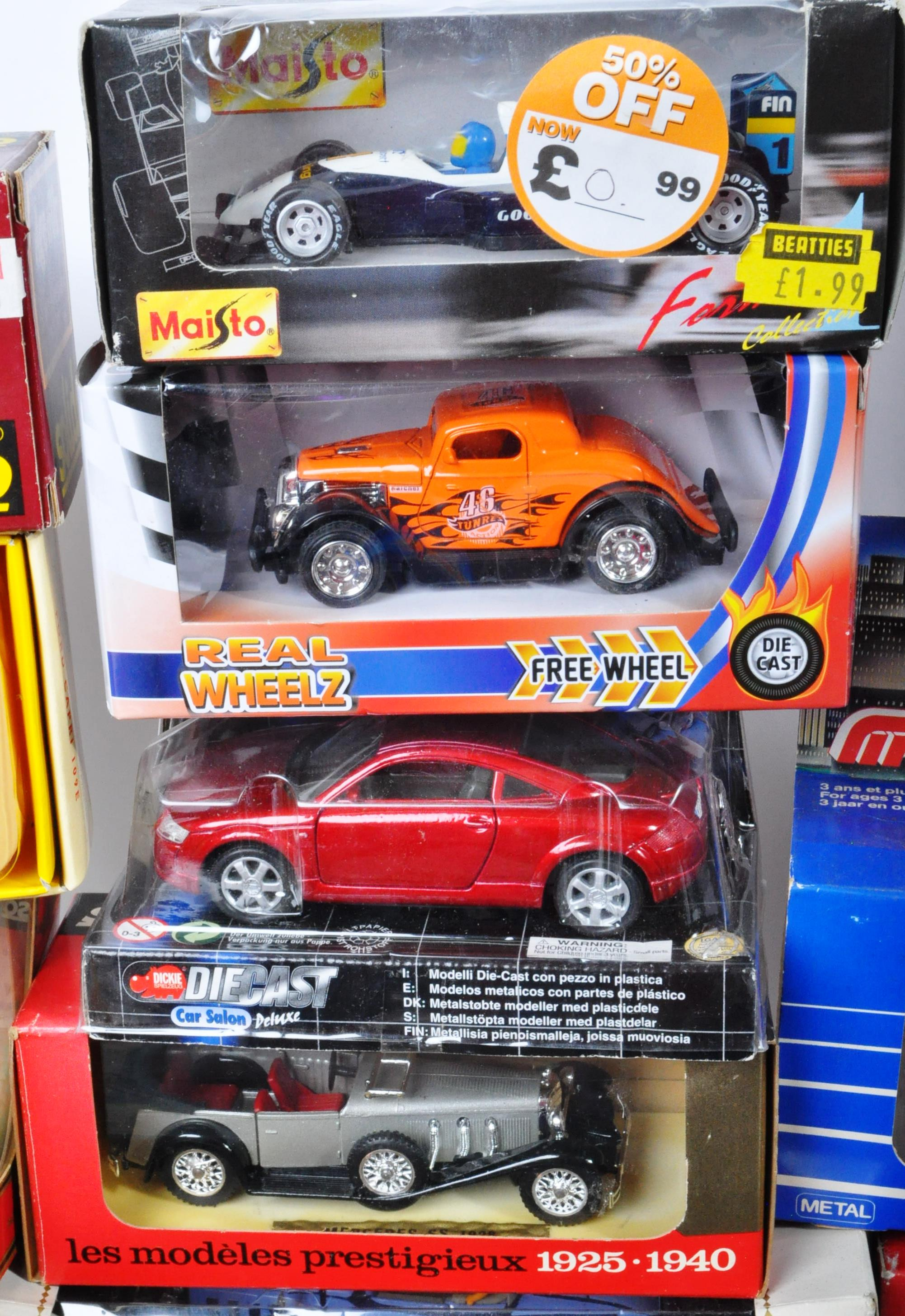 LARGE COLLECTION OF ASSORTED BOXED DIECAST MODEL CARS - Image 9 of 13
