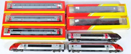 COLLECTION OF HORNBY & BACHMANN 00 GAUGE CARRIAGES