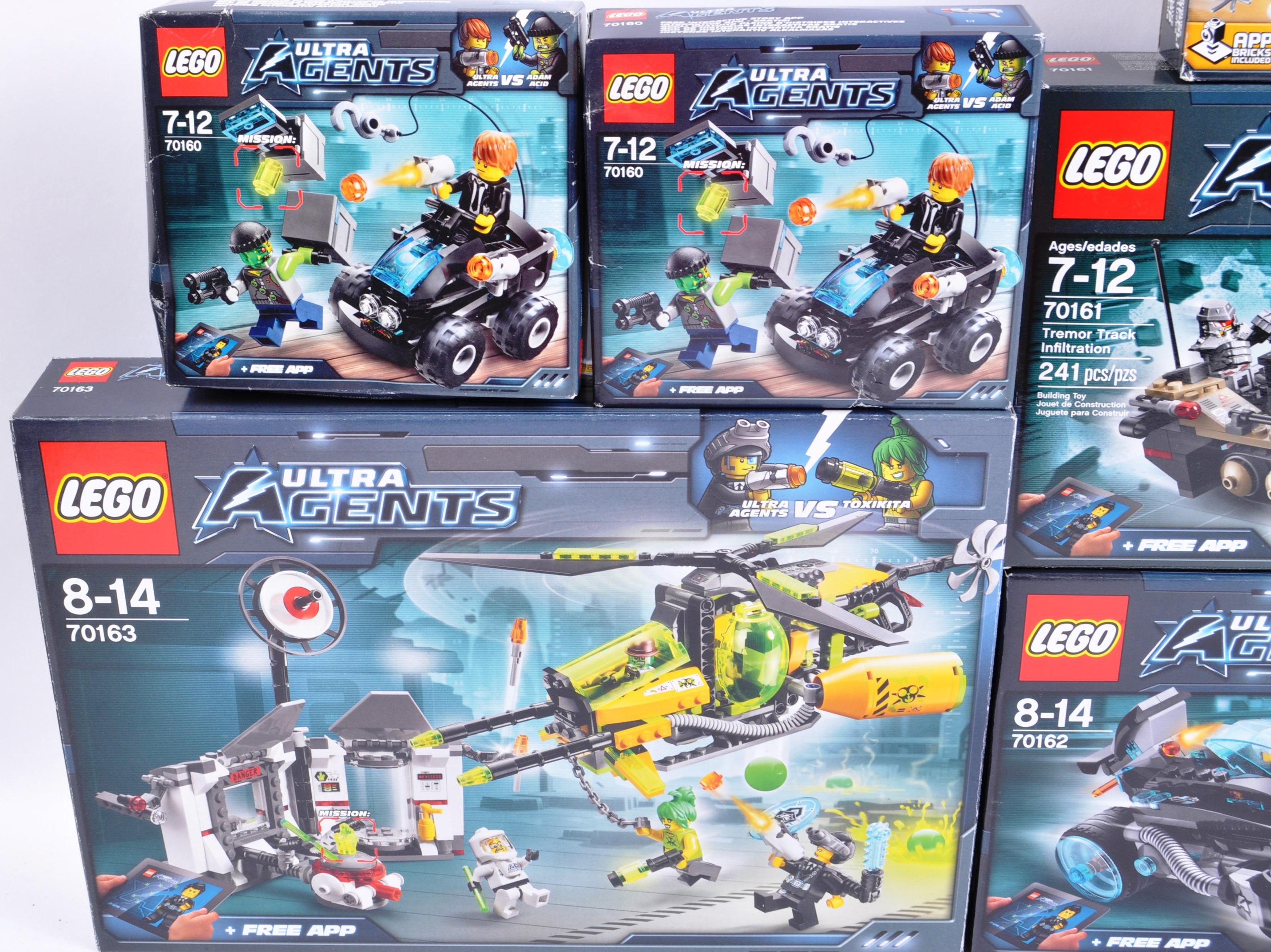 LEGO SETS - LEGO ULTRA AGENTS - Image 2 of 6