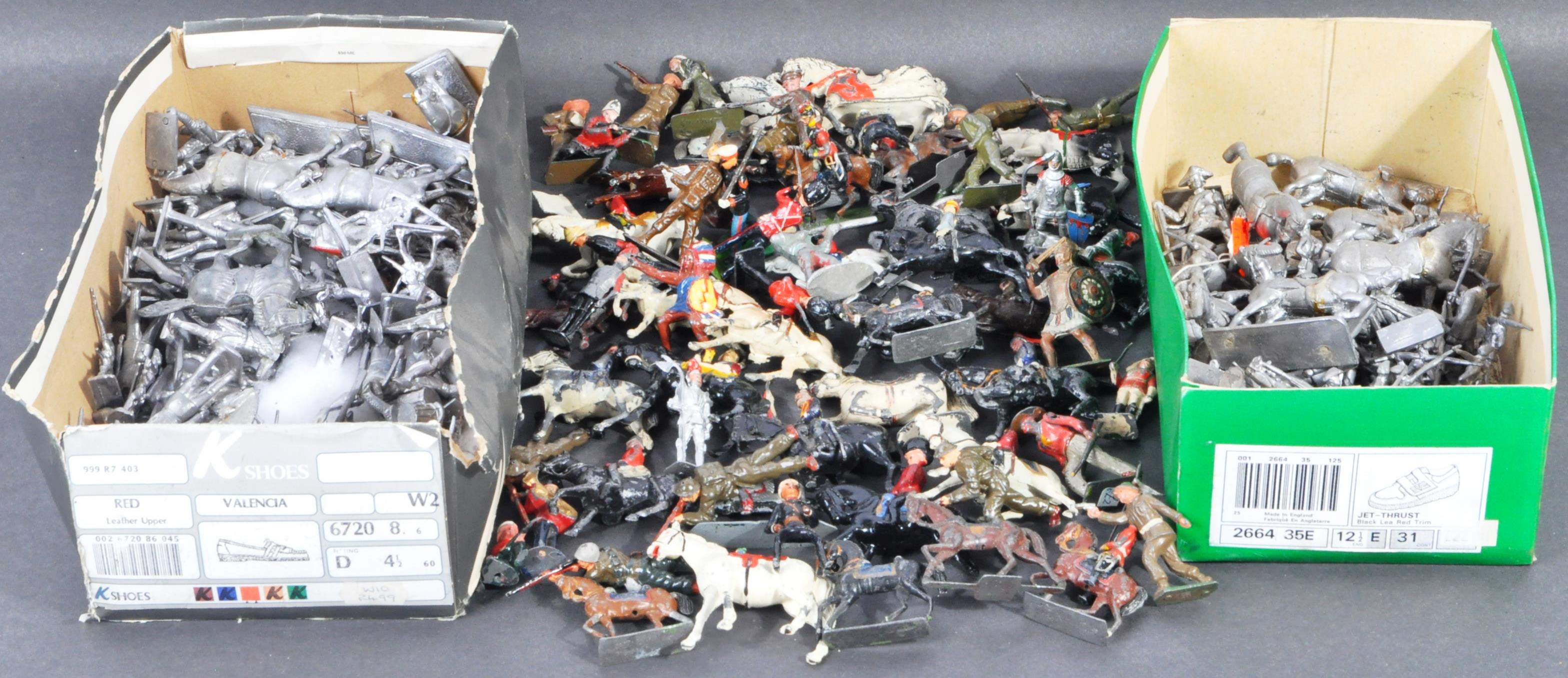 LEAD SOLDIERS - LARGE COLLECTION OF VINTAGE LEAD SOLDIERS