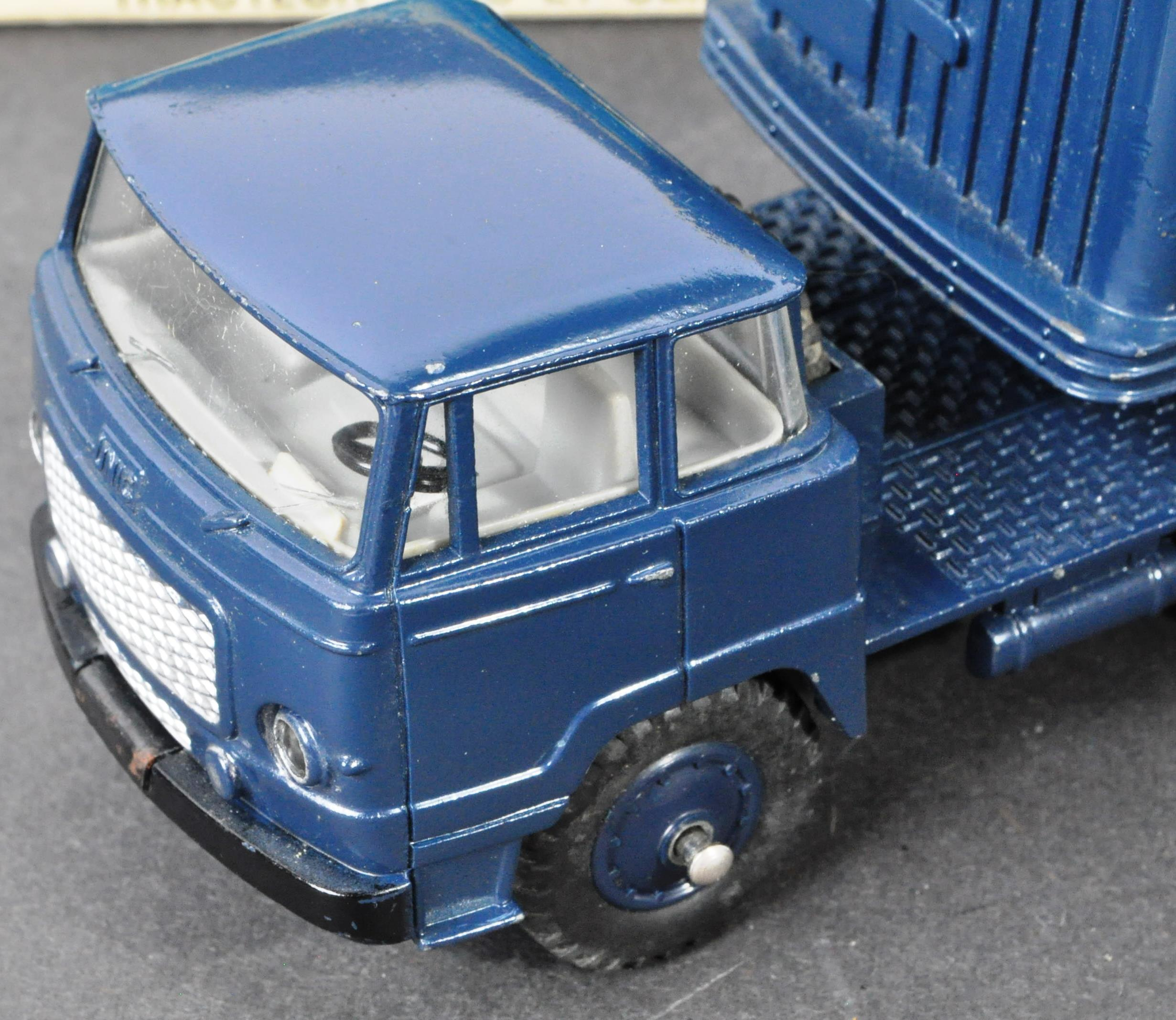 FRENCH DINKY TOYS - ORIGINAL BOXED VINTAGE DIECAST MODEL - Image 3 of 6