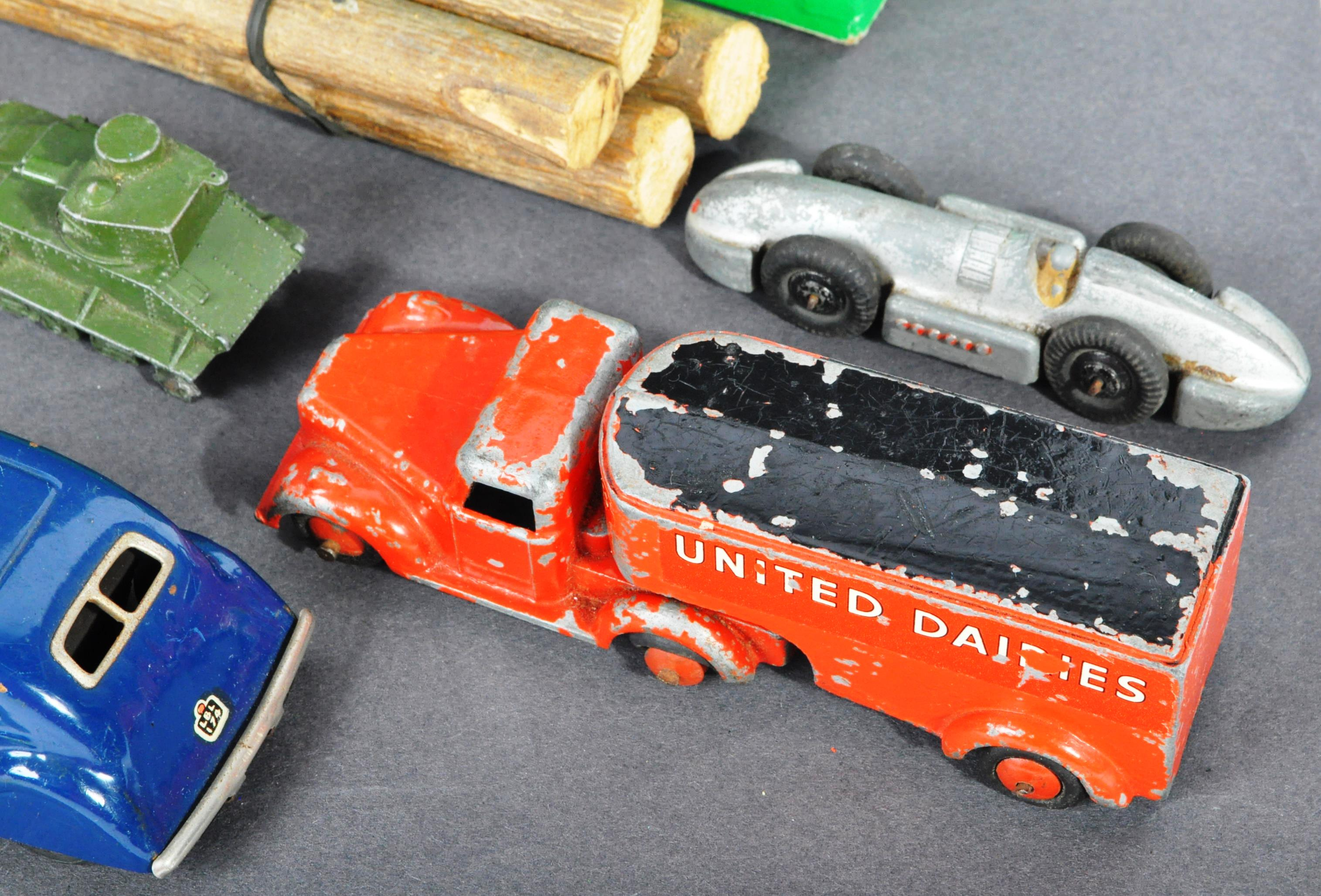 DIECAST - COLLECTION OF ASSORTED ANTIQUE / VINTAGE DIECAST - Image 8 of 9