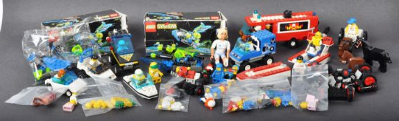COLLECTION OF ASSORTED VINTAGE MINI LEGO SETS & MINIFIGURES