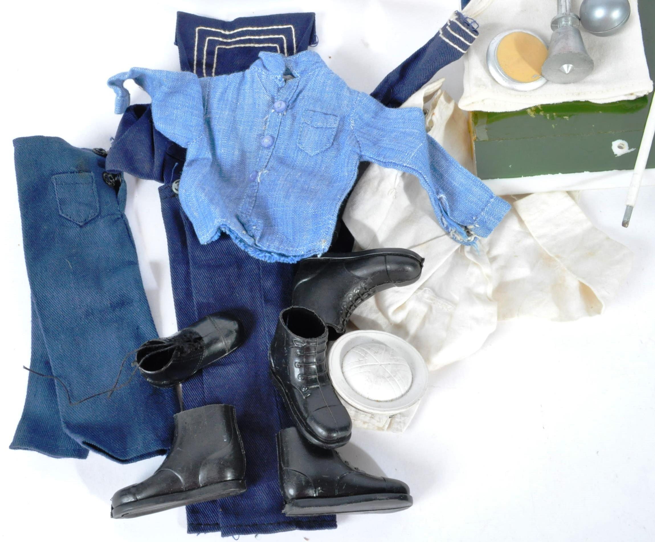 ACTION MAN - COLLECTION OF VINTAGE PALITOY UNIFORMS & FIGURE - Image 5 of 9