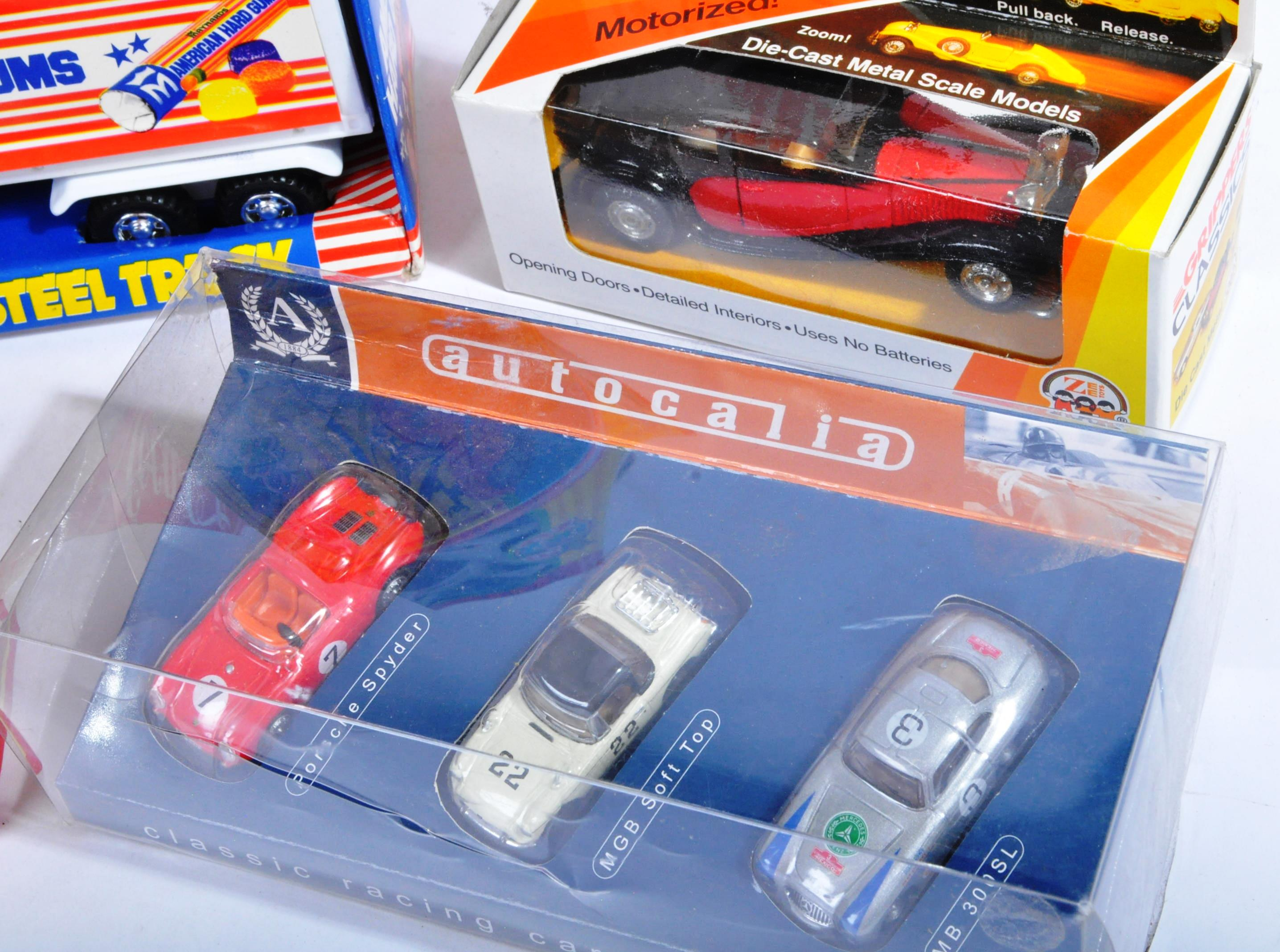 LARGE COLLECTION OF ASSORTED BOXED DIECAST MODEL CARS - Image 4 of 7