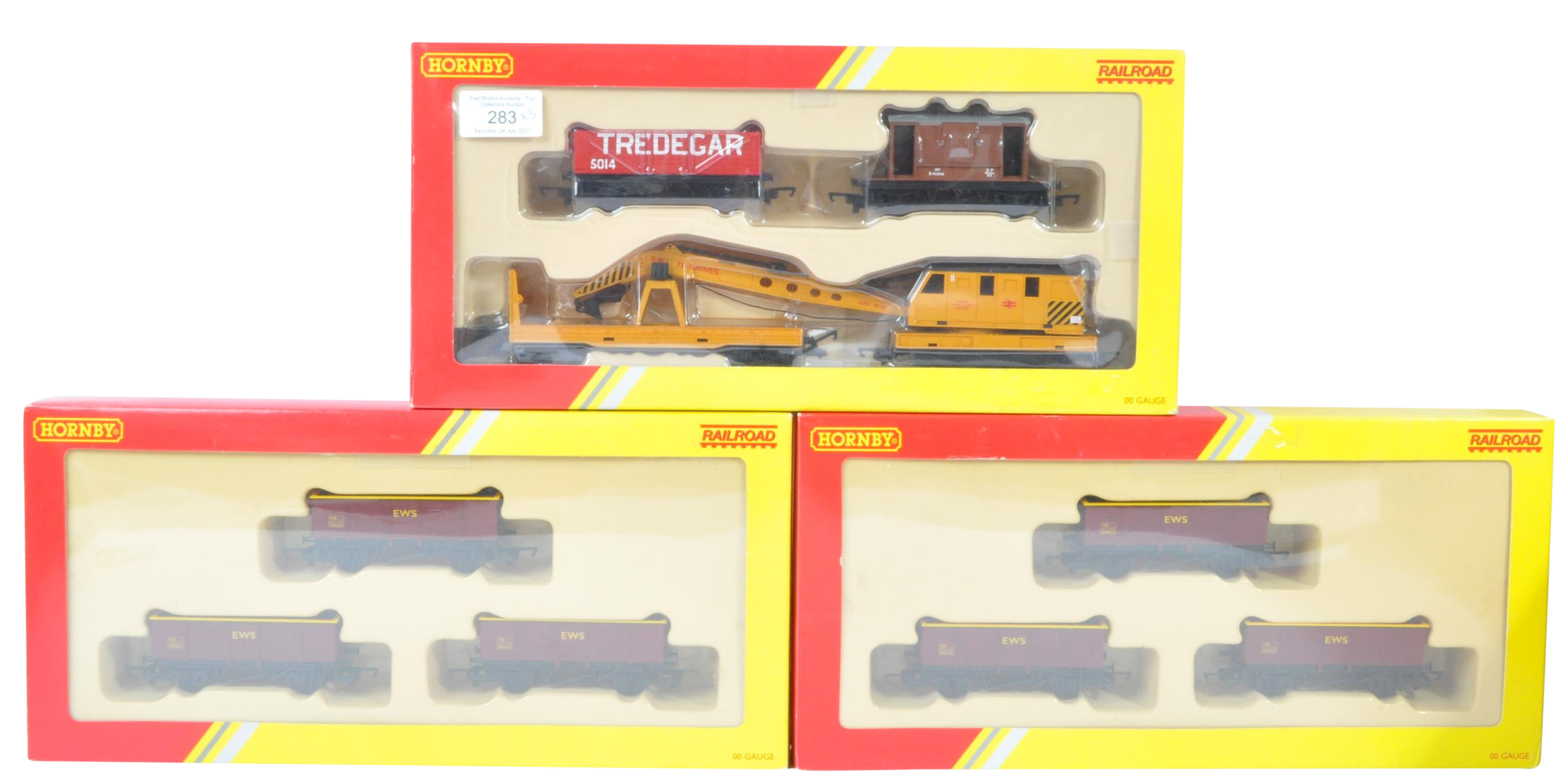 COLLECTION OF HORNBY 00 GAUGE MODEL RAILWAY ROLLING STOCK SETS