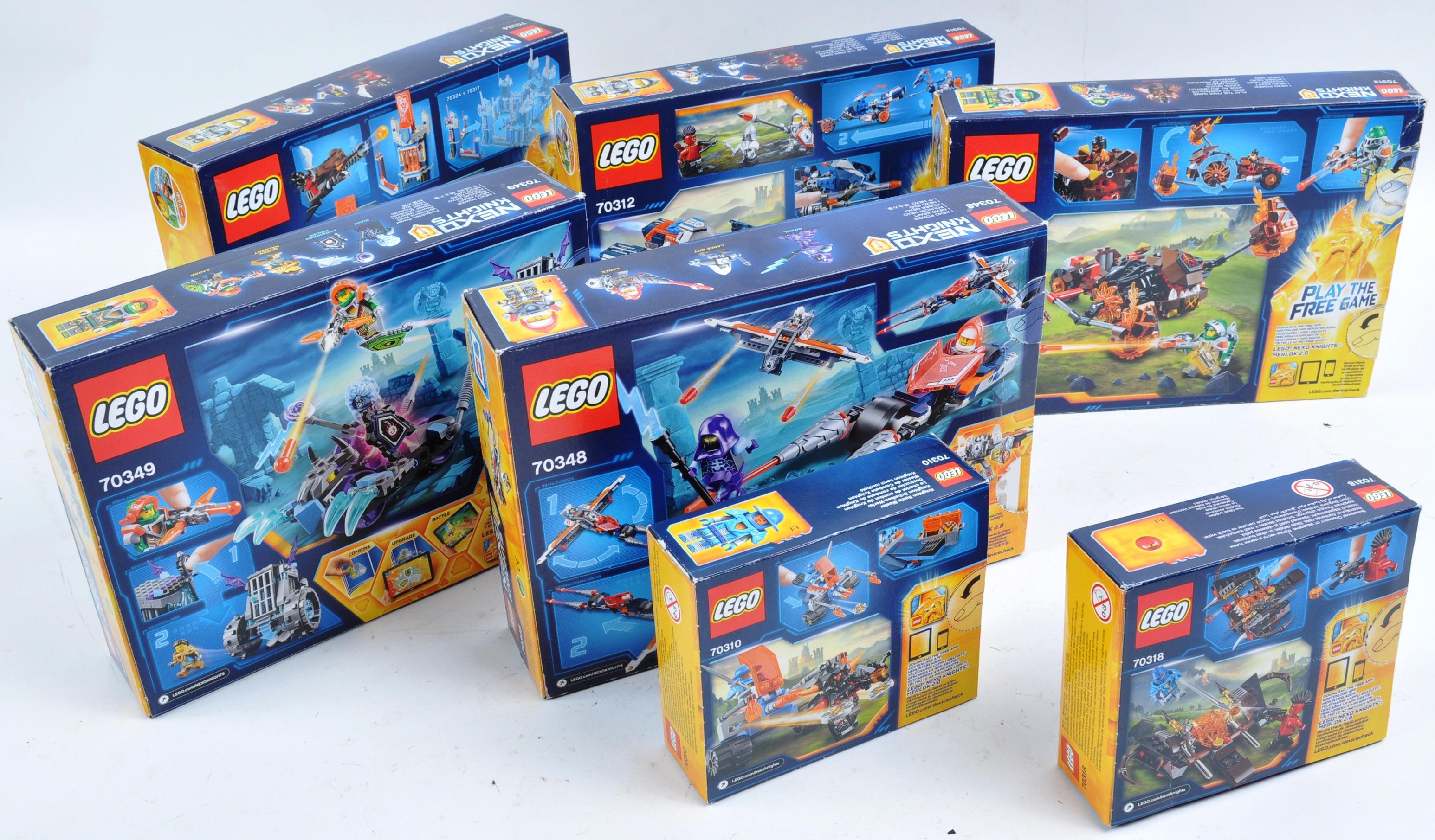 LEGO SETS - LEGO NEXO KNIGHTS - Image 5 of 6