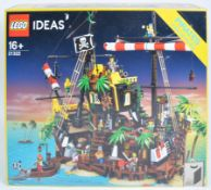 LEGO SET - LEGO IDEAS - 21322 - PIRATES OF BARRACUDA BAY