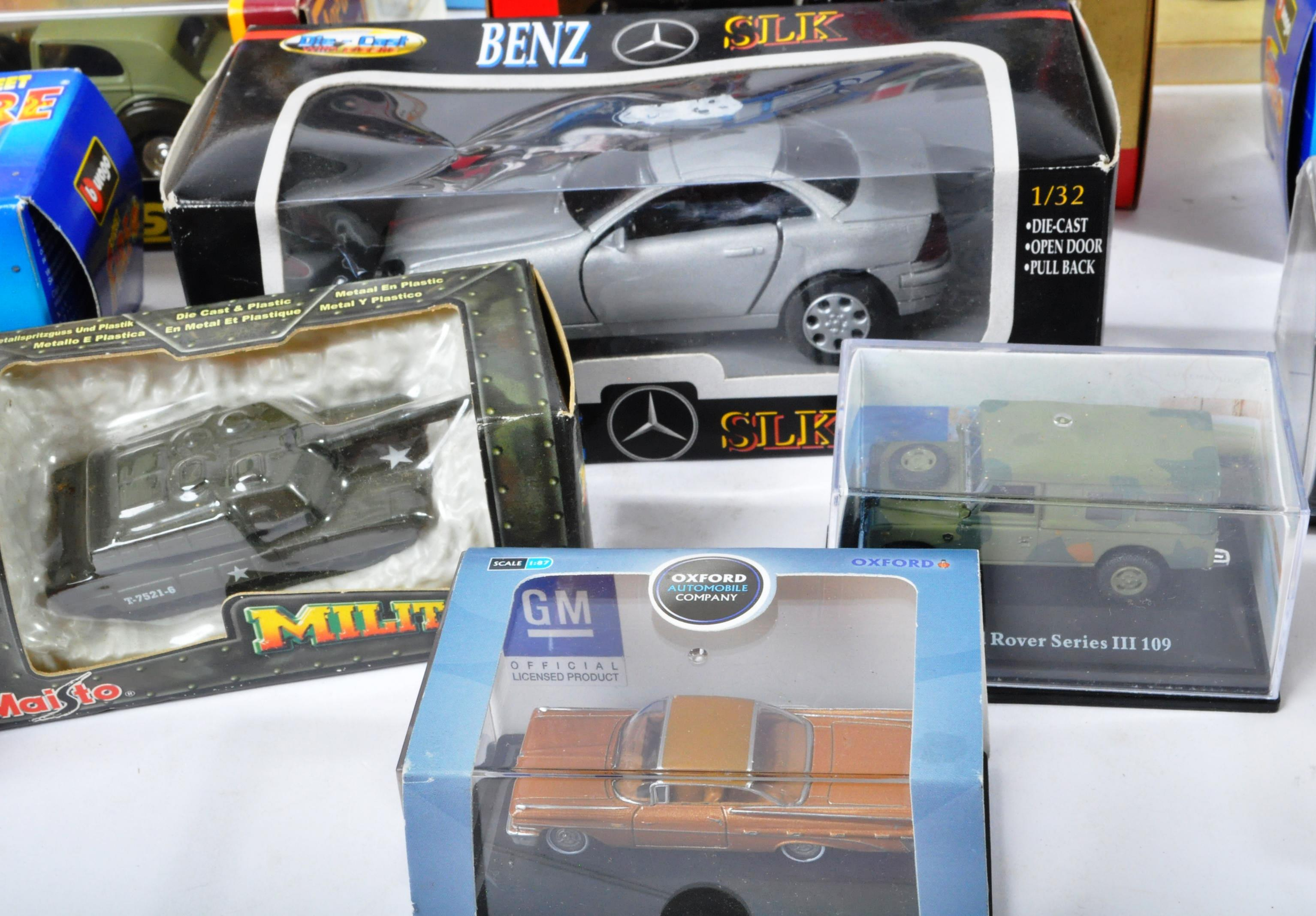 LARGE COLLECTION OF ASSORTED BOXED DIECAST MODEL CARS - Image 3 of 13