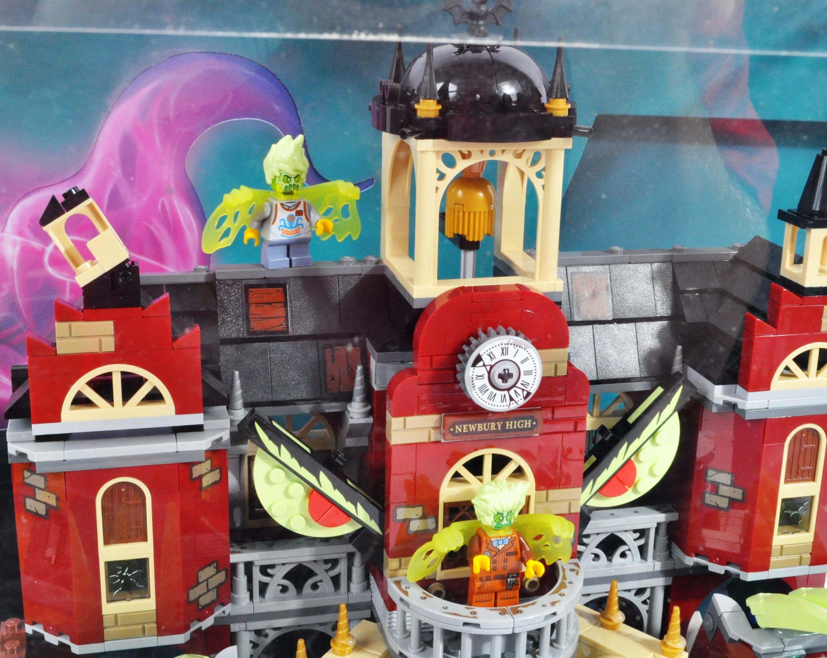 LEGO - HIDDEN SIDE - ORIGINAL IN STORE SHOP DISPLAY CABINET - Image 4 of 8