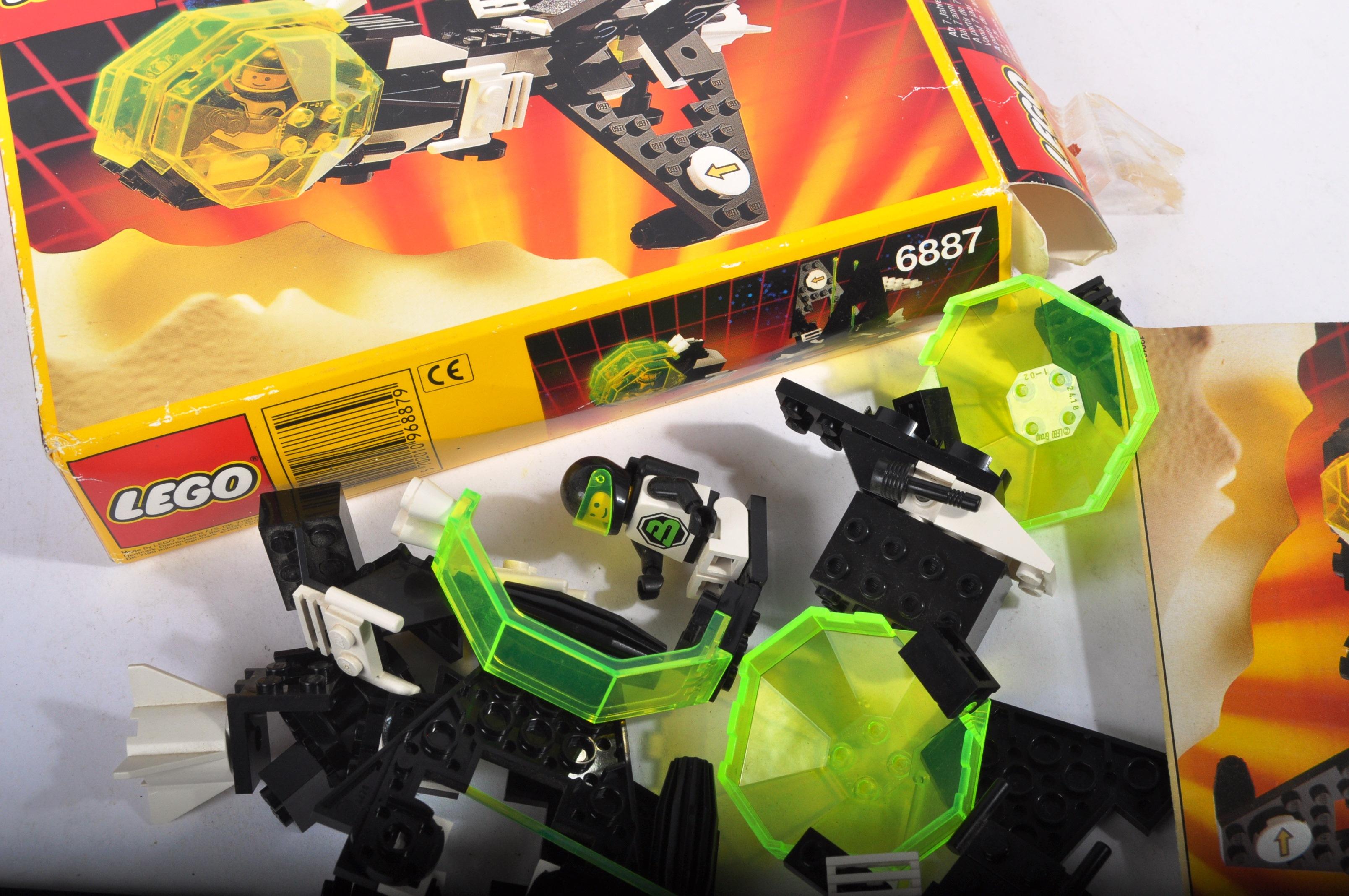 LEGO SETS - BLACKTRON - 6832 / 6833 / 6851 / 6878 / 6887 - Image 9 of 10