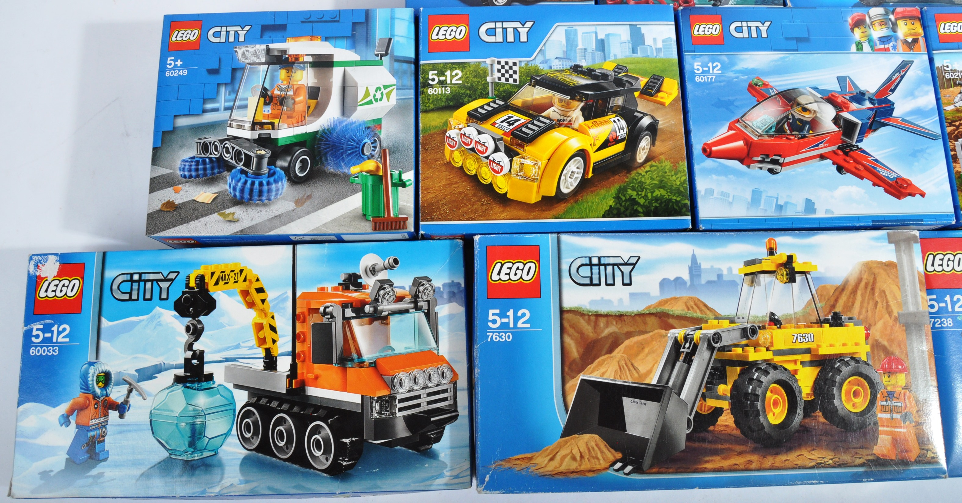 LEGO SETS - LEGO CITY - A COLLECTION OF X10 LEGO CITY SETS - Image 3 of 4