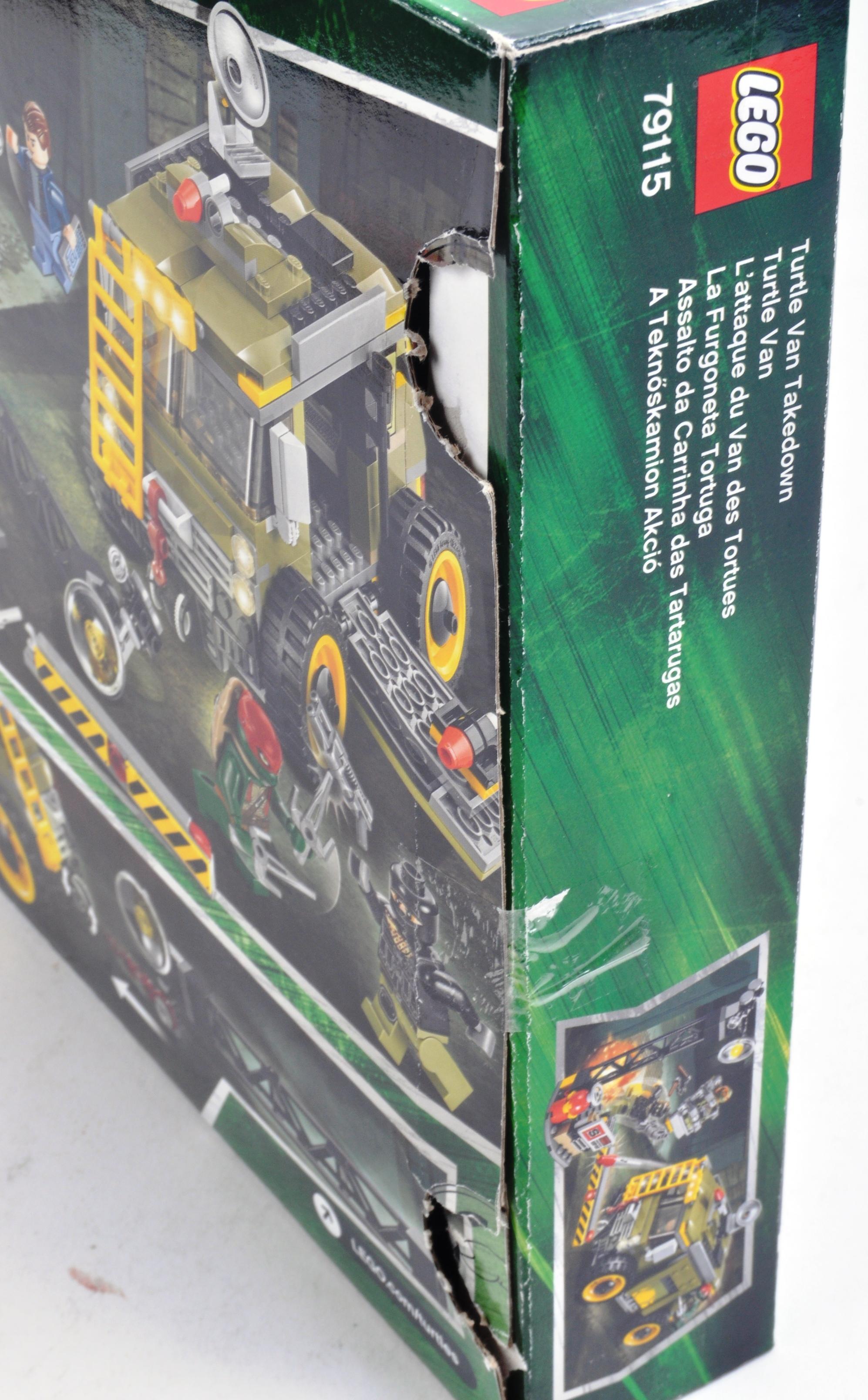 LEGO SET - LEGO NINJA TURTLES - 79115 - TURTLE VAN TAKEDOWN - Image 3 of 3