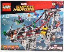 LEGO SET - MARVEL SUPER HEROES - 76057 - SPIDER MAN