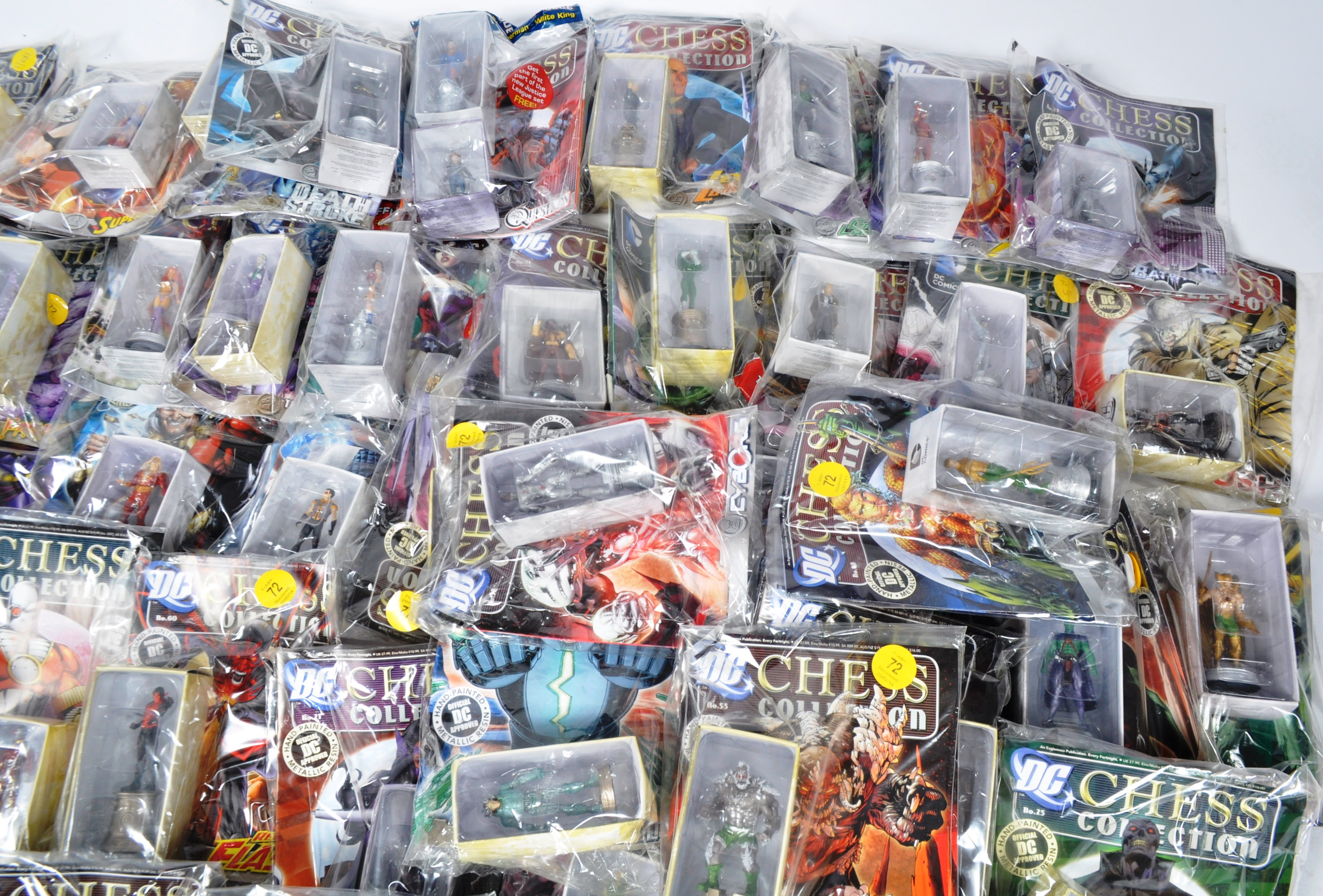 LARGE COLLECTION OF ASSORTED DC COMICS COLLECTIBLE CHESS PIECES - Image 5 of 6
