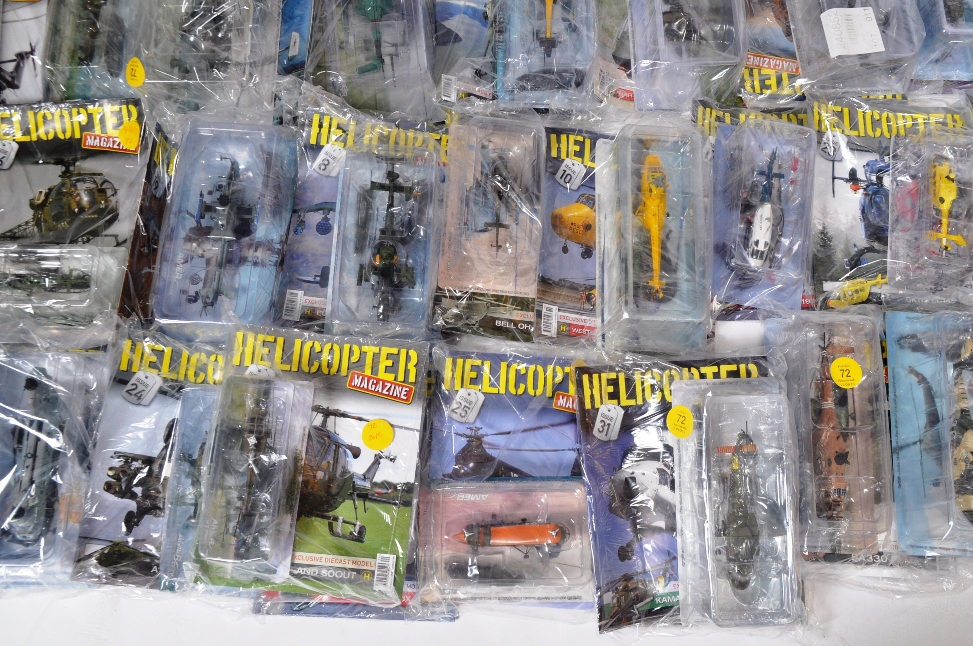 COLLECTION OF ASSORTED HELICOPTER DIECAST AND MAGAZINES - Image 3 of 8