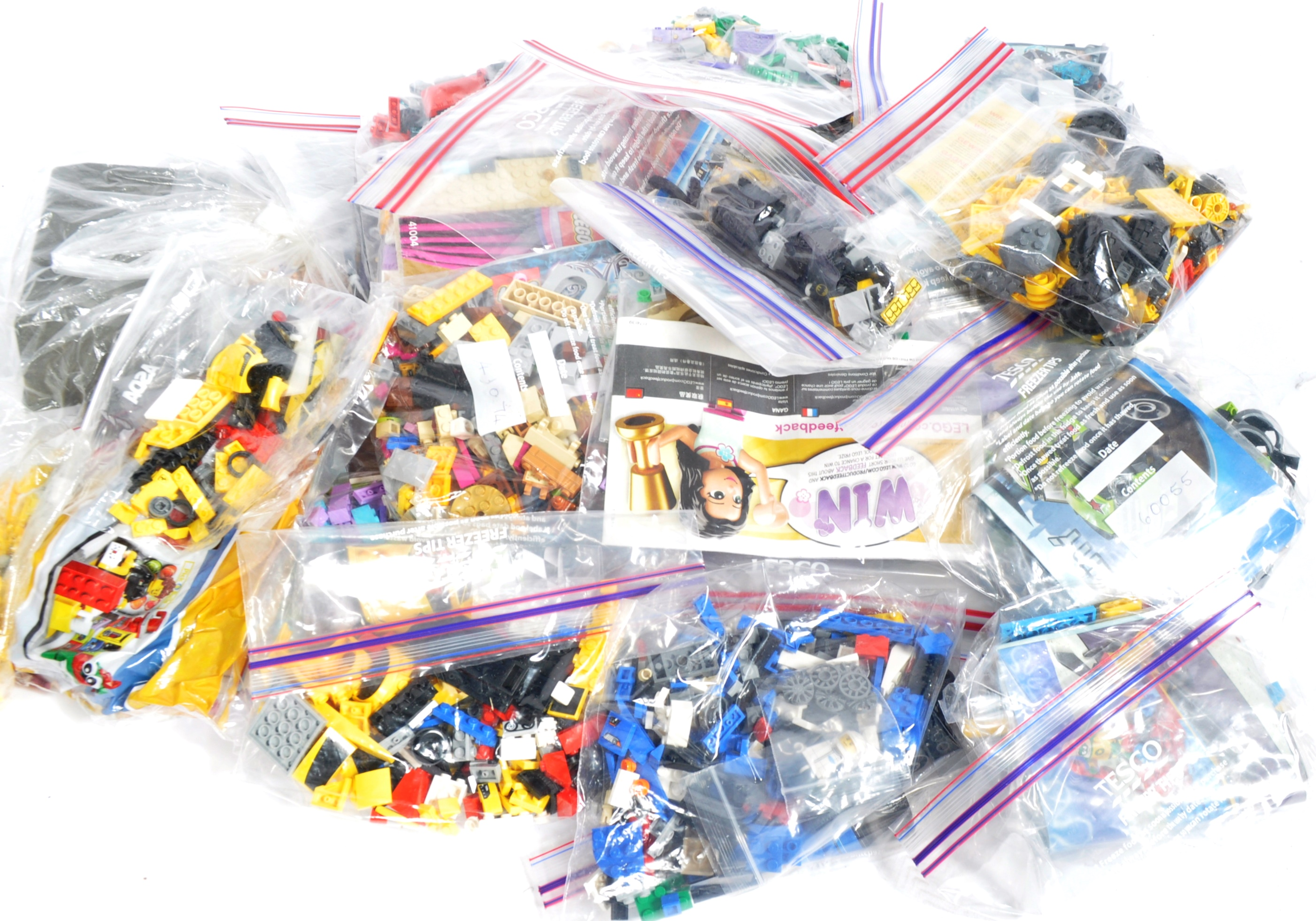 LARGE COLLECTION OF ASSORTED UNBOXED LEGO SETS - Image 5 of 5