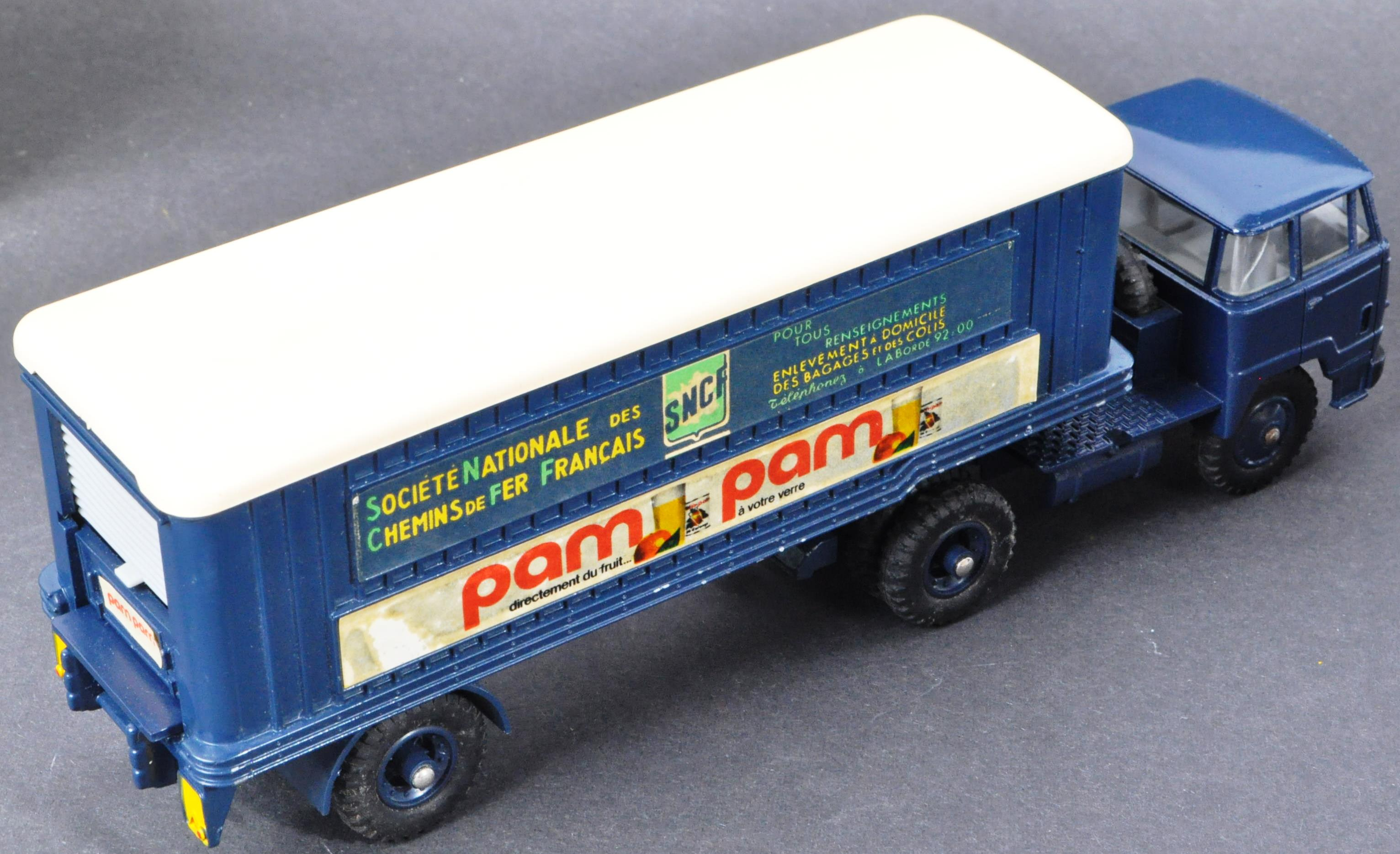FRENCH DINKY TOYS - ORIGINAL BOXED VINTAGE DIECAST MODEL - Image 5 of 6