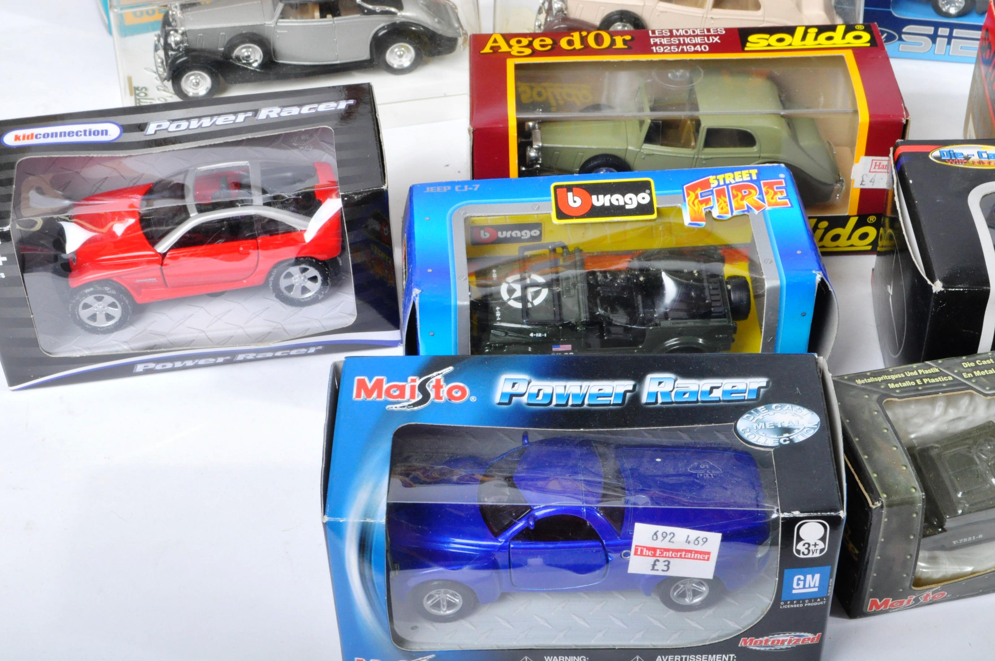 LARGE COLLECTION OF ASSORTED BOXED DIECAST MODEL CARS - Image 2 of 13