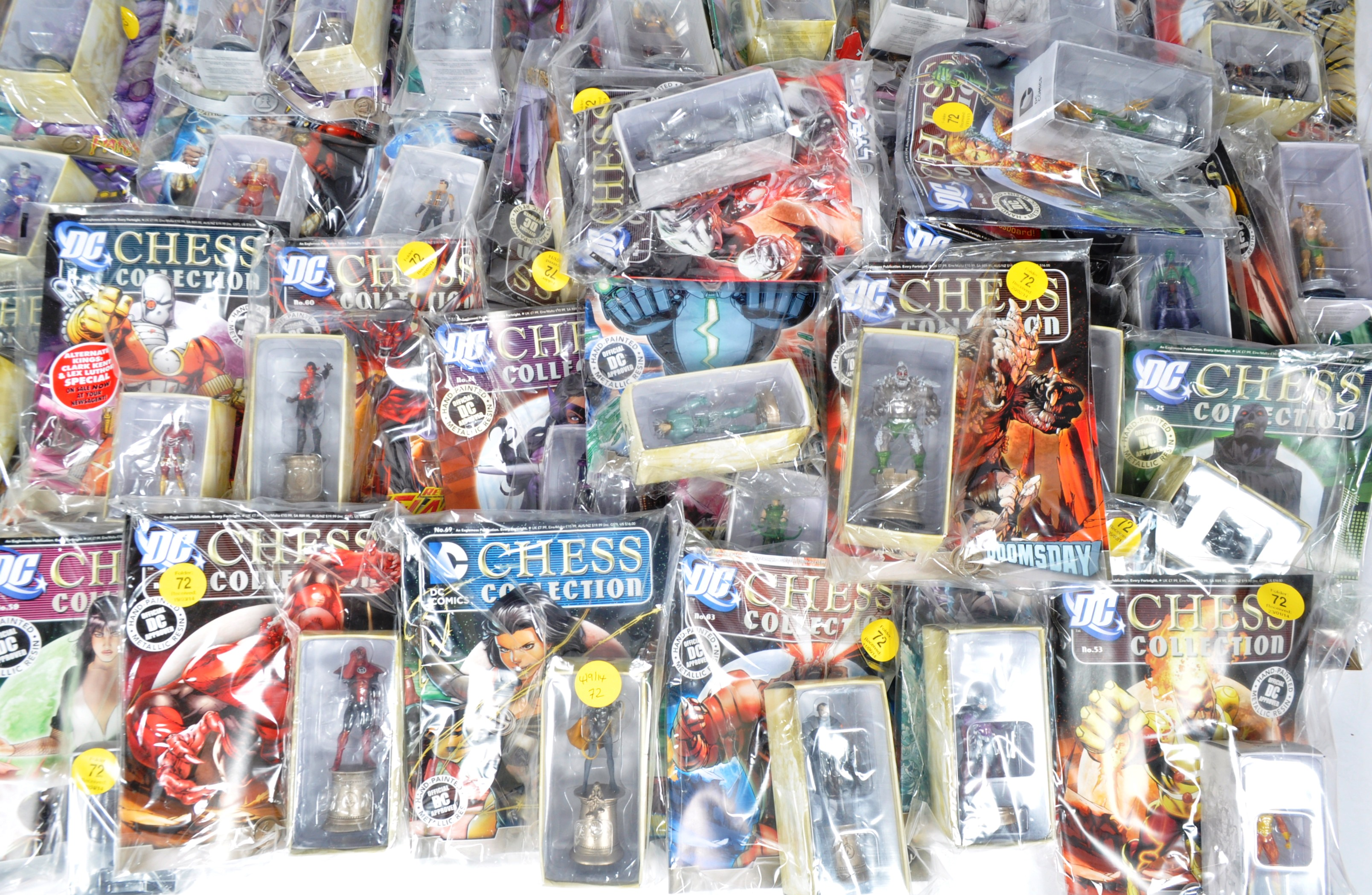 LARGE COLLECTION OF ASSORTED DC COMICS COLLECTIBLE CHESS PIECES - Image 3 of 6