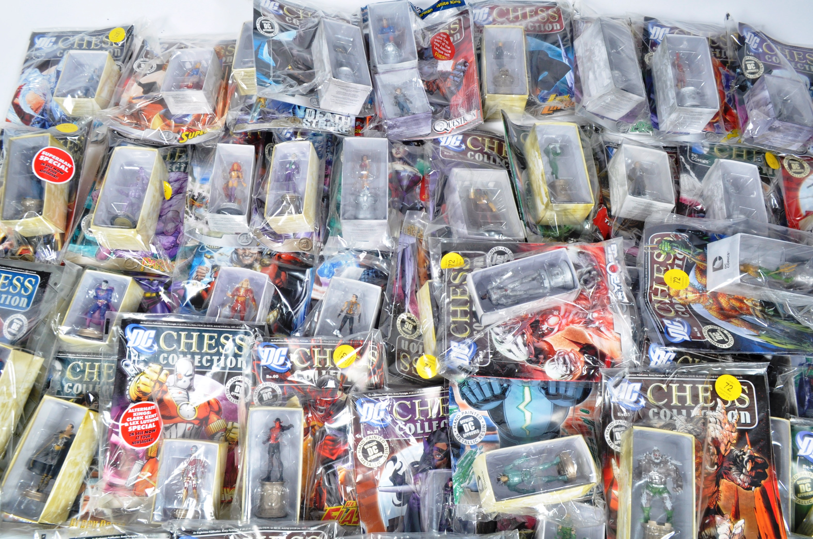 LARGE COLLECTION OF ASSORTED DC COMICS COLLECTIBLE CHESS PIECES - Image 6 of 6