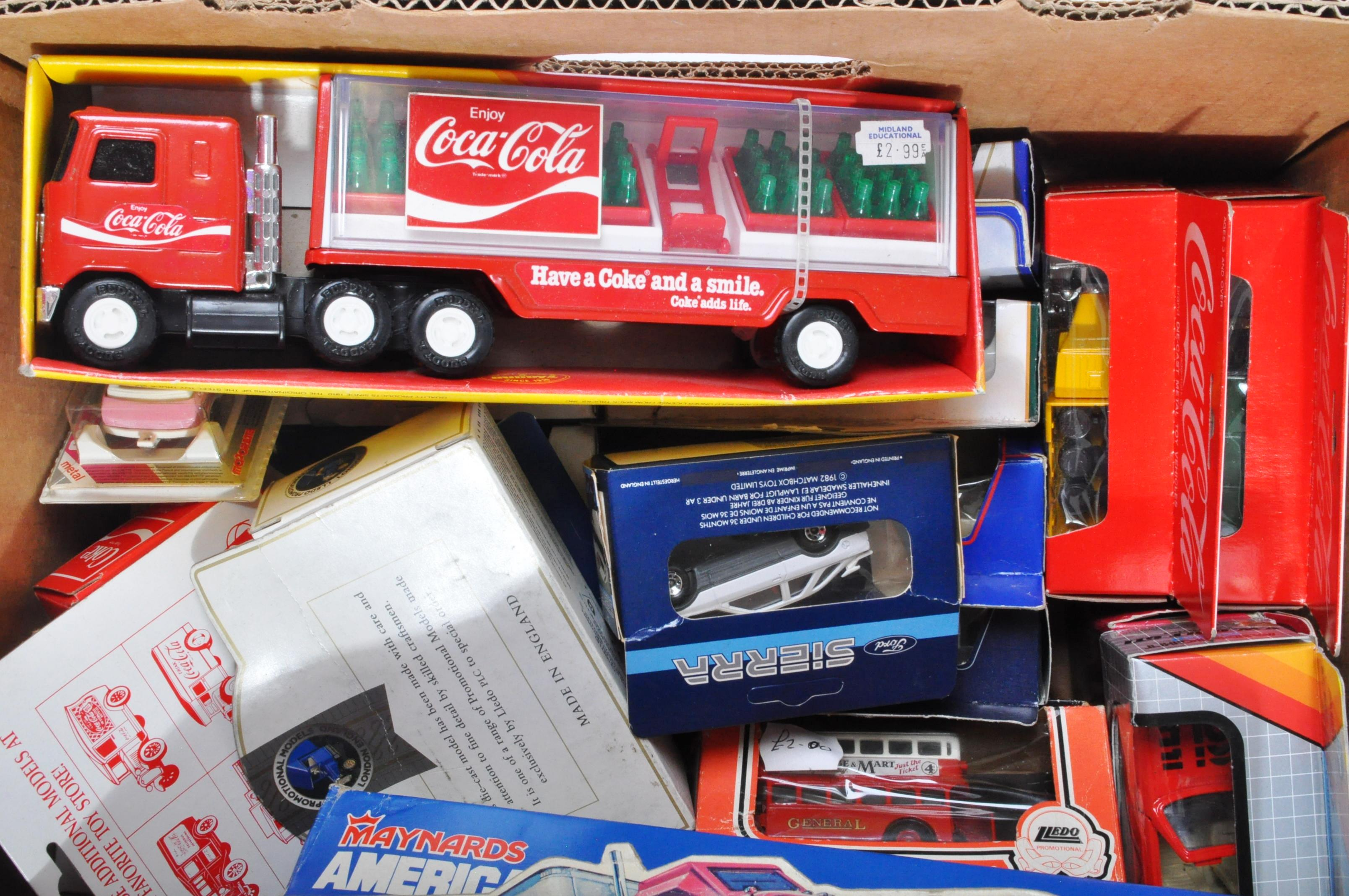 LARGE COLLECTION OF ASSORTED BOXED DIECAST MODEL CARS - Image 5 of 7