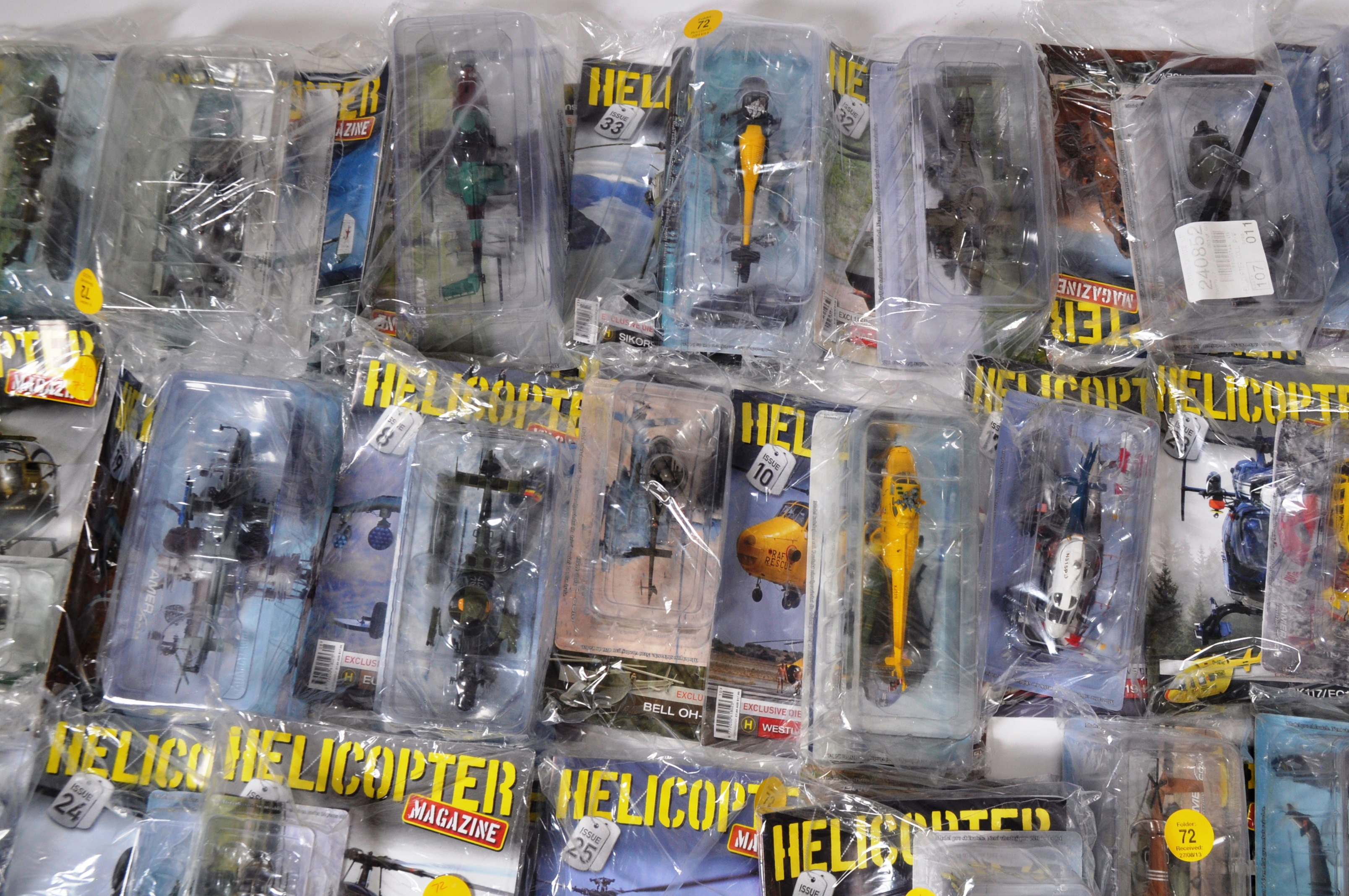 COLLECTION OF ASSORTED HELICOPTER DIECAST AND MAGAZINES - Image 6 of 8