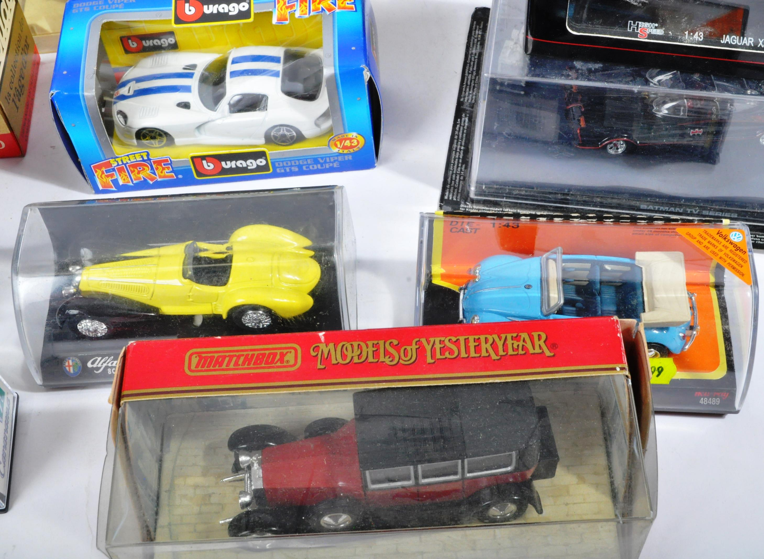 LARGE COLLECTION OF ASSORTED BOXED DIECAST MODEL CARS - Image 4 of 13