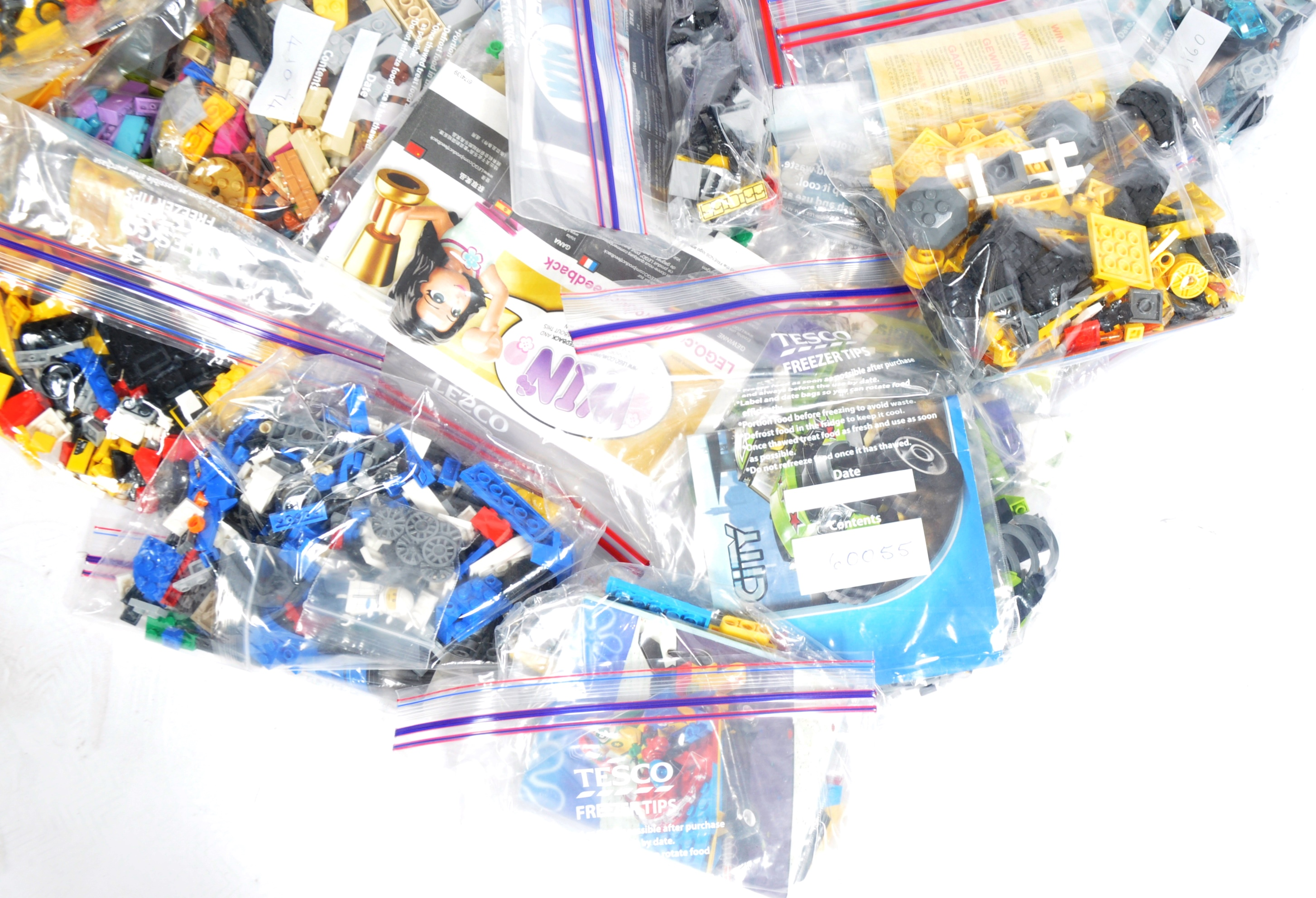 LARGE COLLECTION OF ASSORTED UNBOXED LEGO SETS - Image 3 of 5
