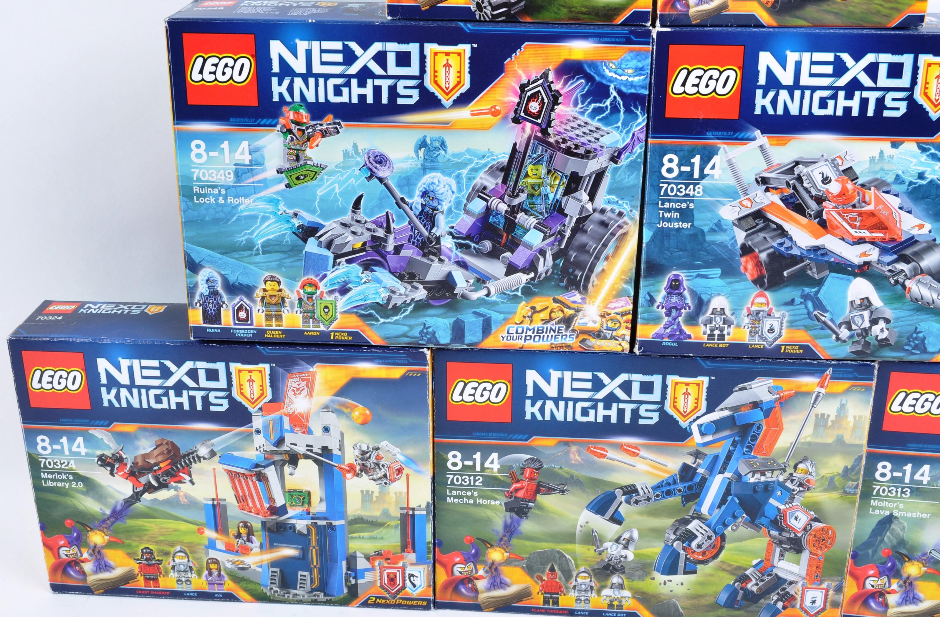 LEGO SETS - LEGO NEXO KNIGHTS - Image 2 of 6