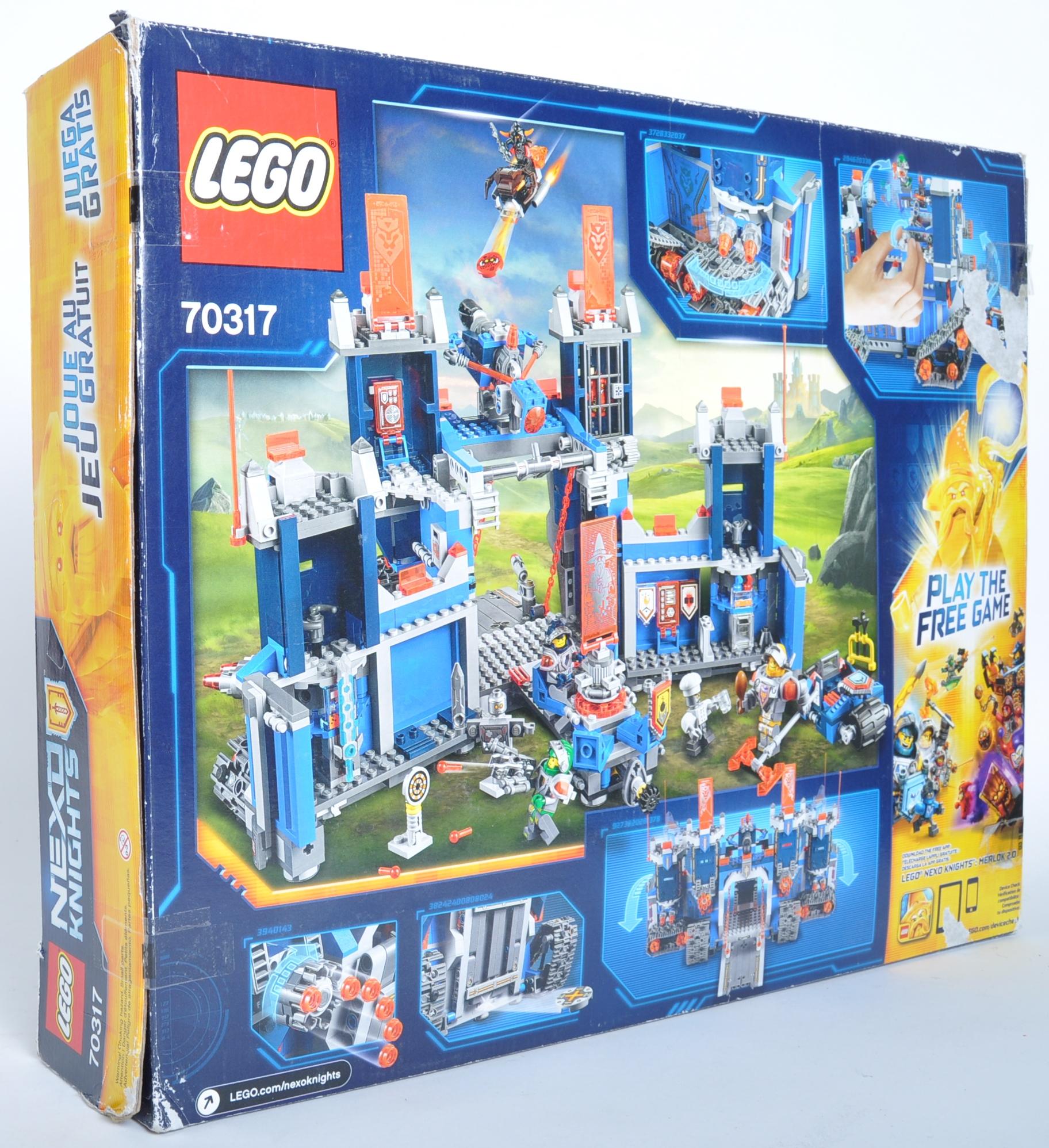 LEGO SET - LEGO NEXO KNIGHTS - 70317 THE FORTREX - Image 4 of 4