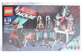 LEGO SET - THE LEGO MOVIE - 70809 - LORD BUSINESS' EVIL LAIR