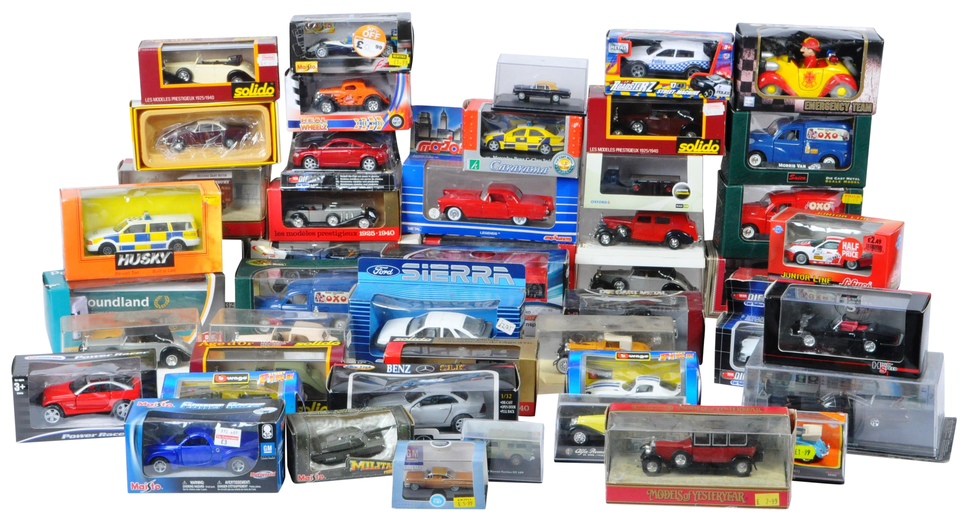 LARGE COLLECTION OF ASSORTED BOXED DIECAST MODEL CARS