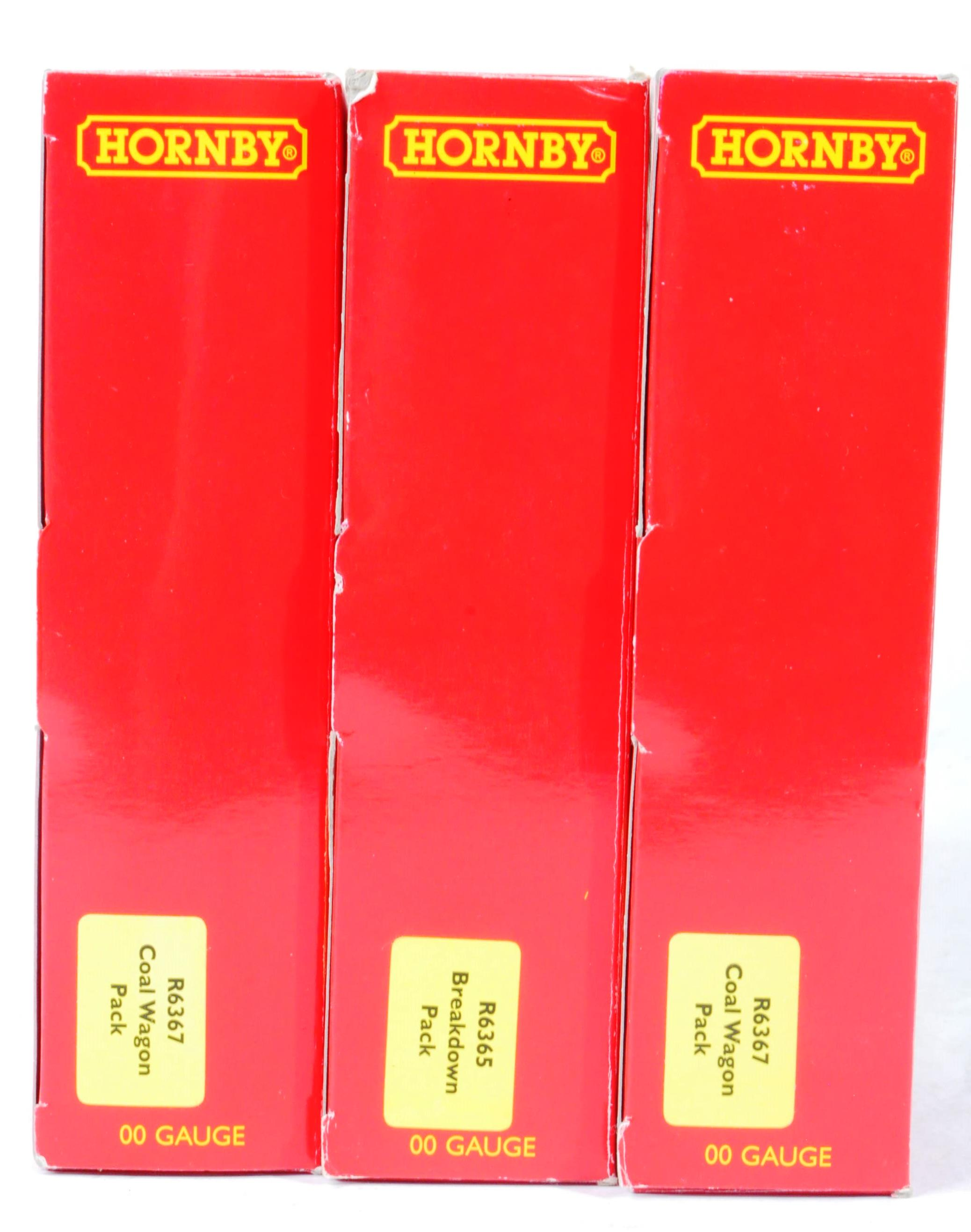 COLLECTION OF HORNBY 00 GAUGE MODEL RAILWAY ROLLING STOCK SETS - Image 5 of 5