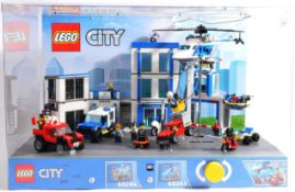 LEGO - LEGO CITY IN STORE SHOP DISPLAY CABINET SET