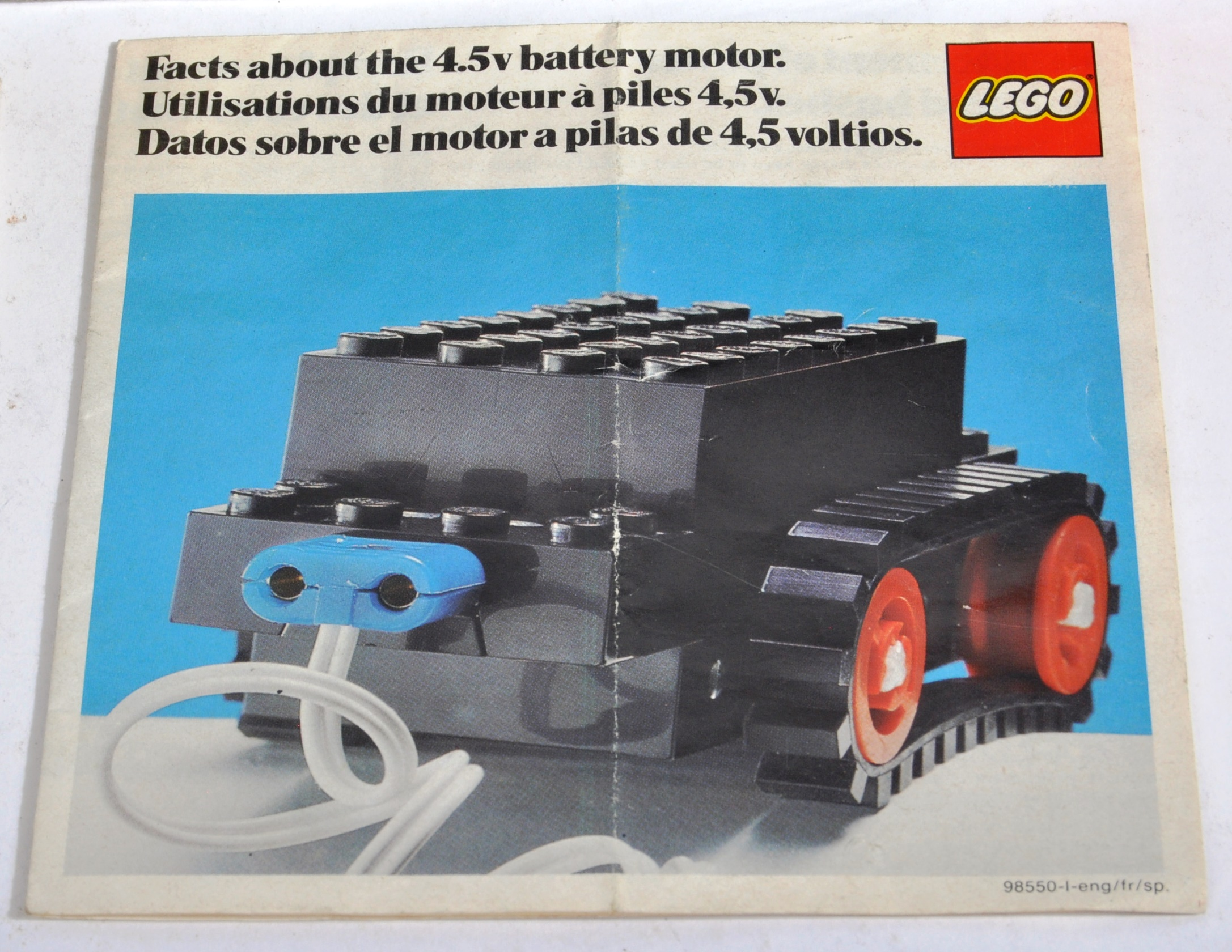 LEGO SET - 182 - TRAIN SET WITH MOTOR AND TRACK - Image 10 of 14