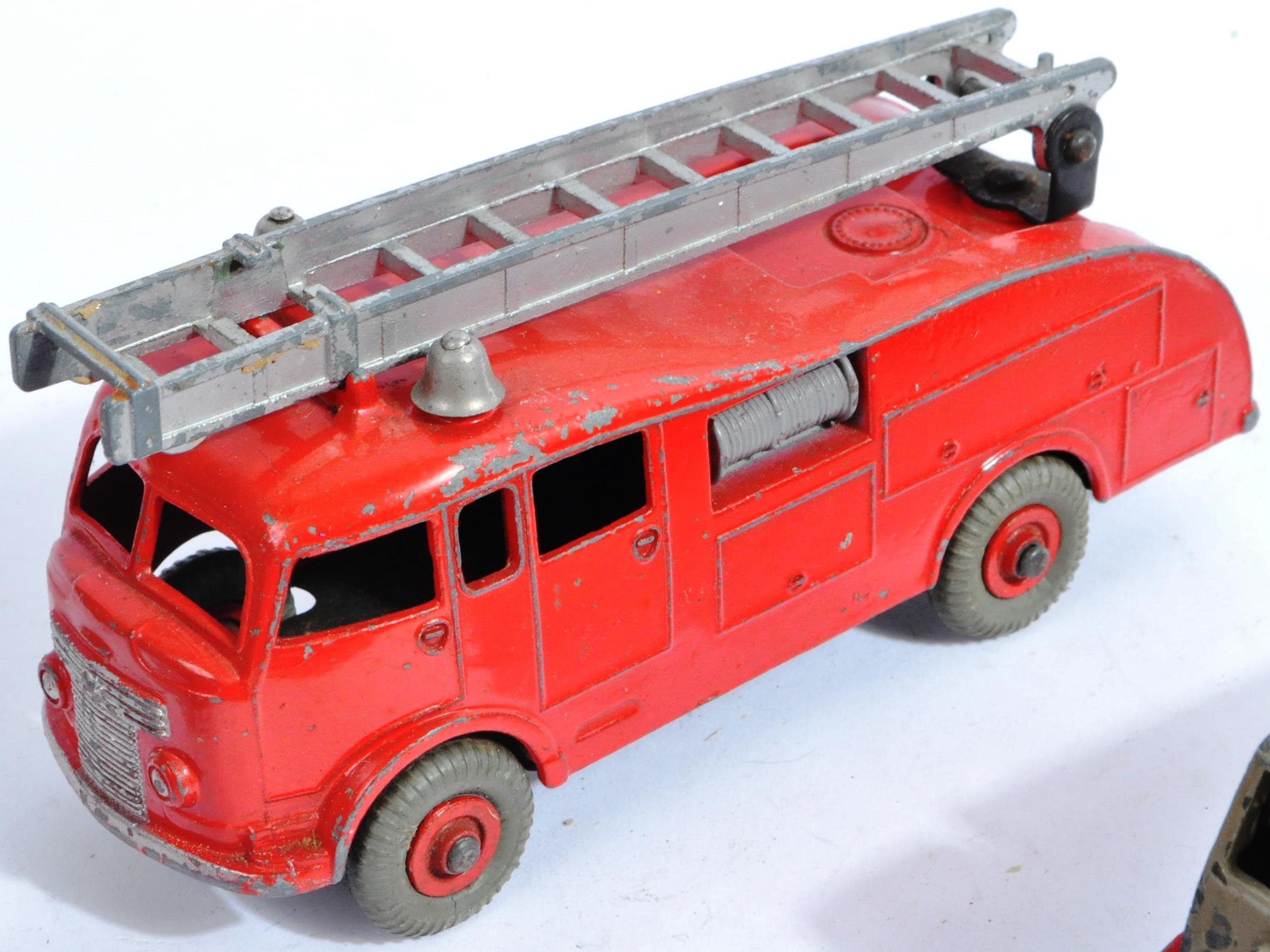COLLECTION OF X10 VINTAGE DINKY TOYS DIECAST MODEL TRUCKS - Image 5 of 14