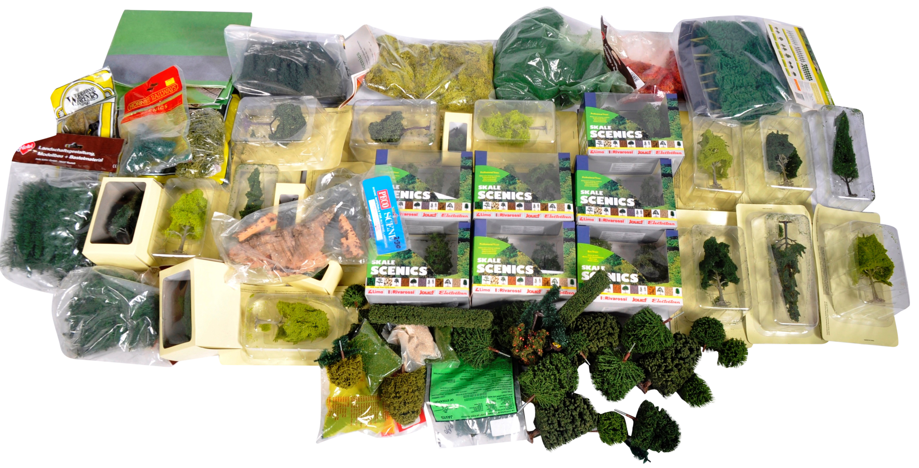 LARGE COLLECTION OF ASSORTED MODEL RAILWAY TRACKSIDE